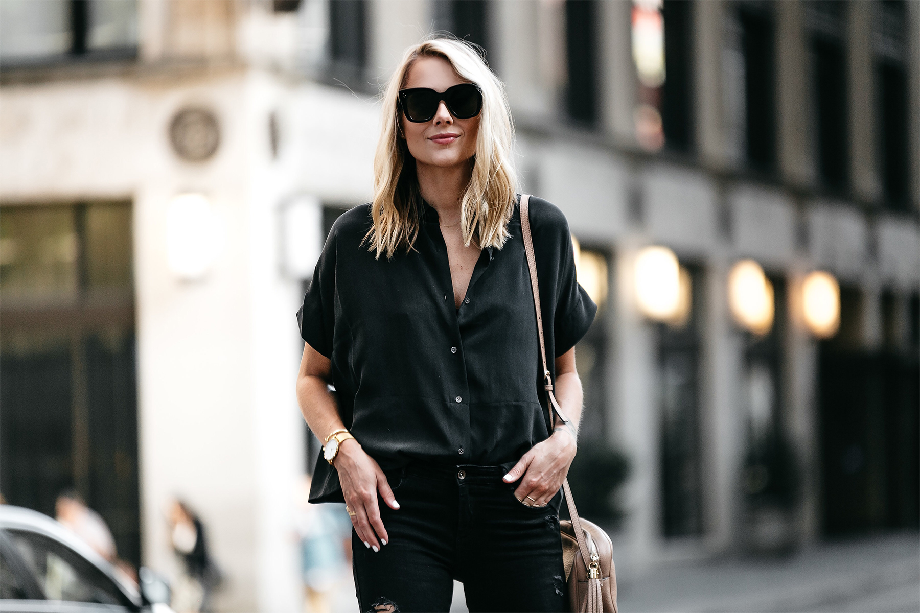 Blonde Woman Wearing Everlane Black Short Sleeve Button Up Shirt Fashion Jackson Dallas Blogger Fashion Blogger
