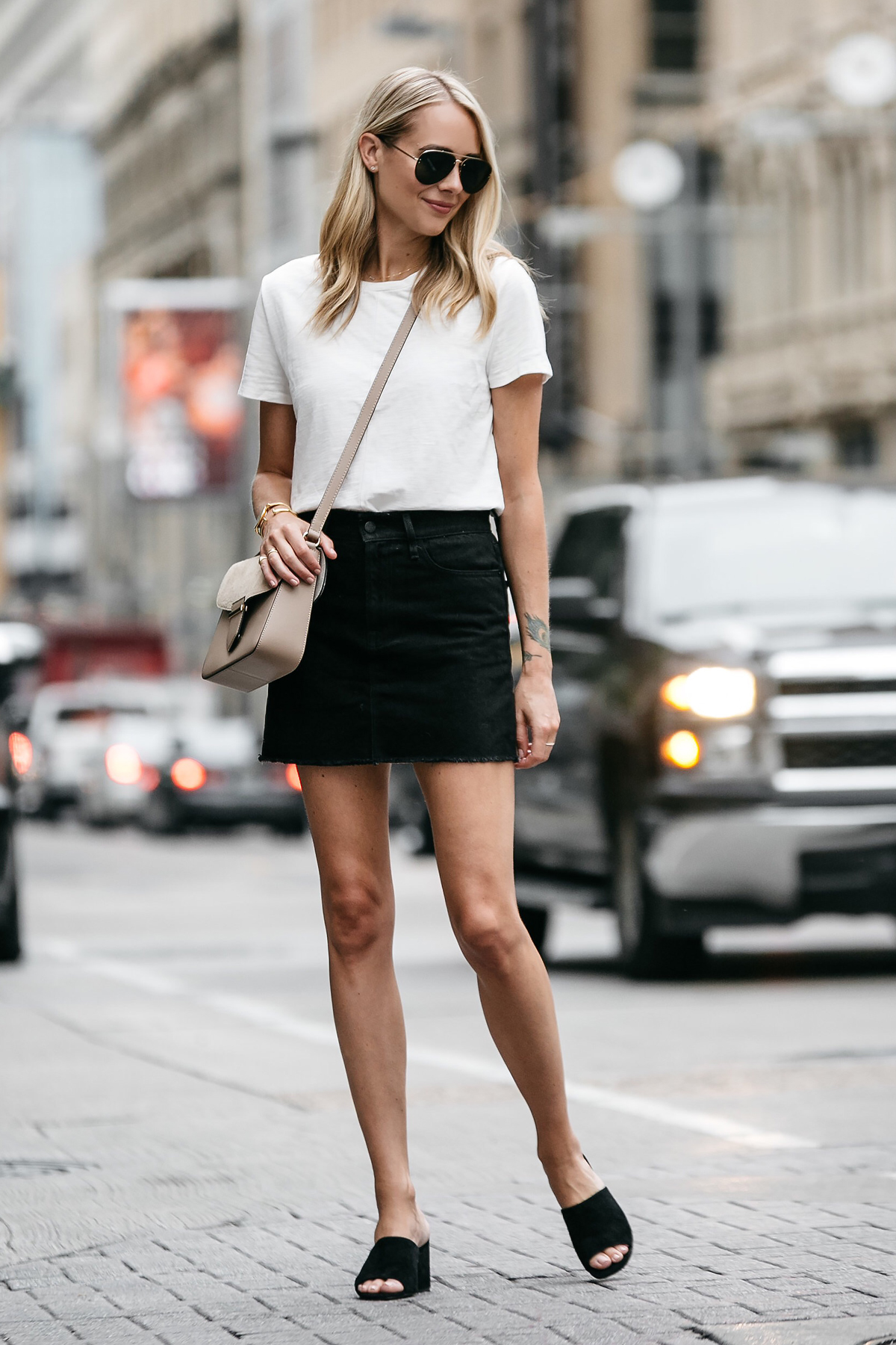 A CASUAL WAY TO WEAR A BLACK DENIM SKIRT | Fashion Jackson