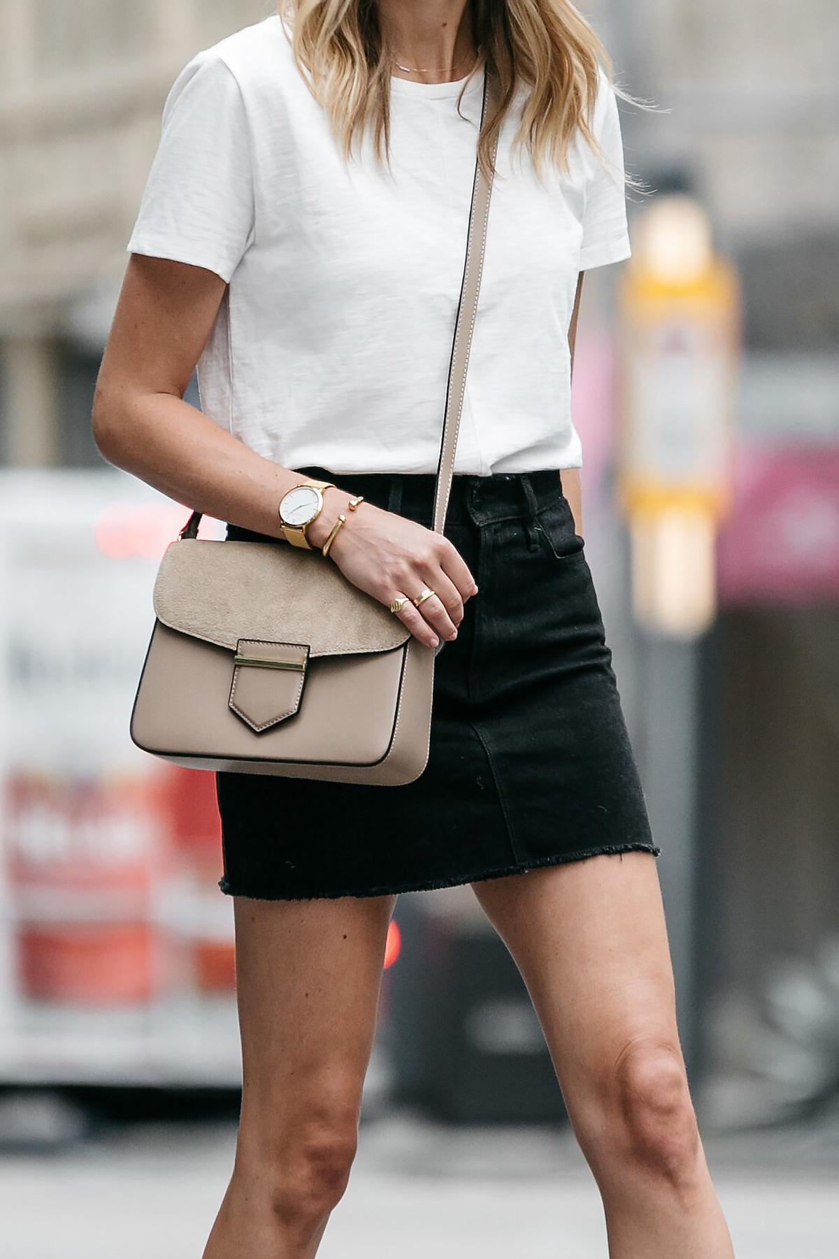 white tshirt black denim skirt outfit tan crossbody street style dallas blogger fashion blogger