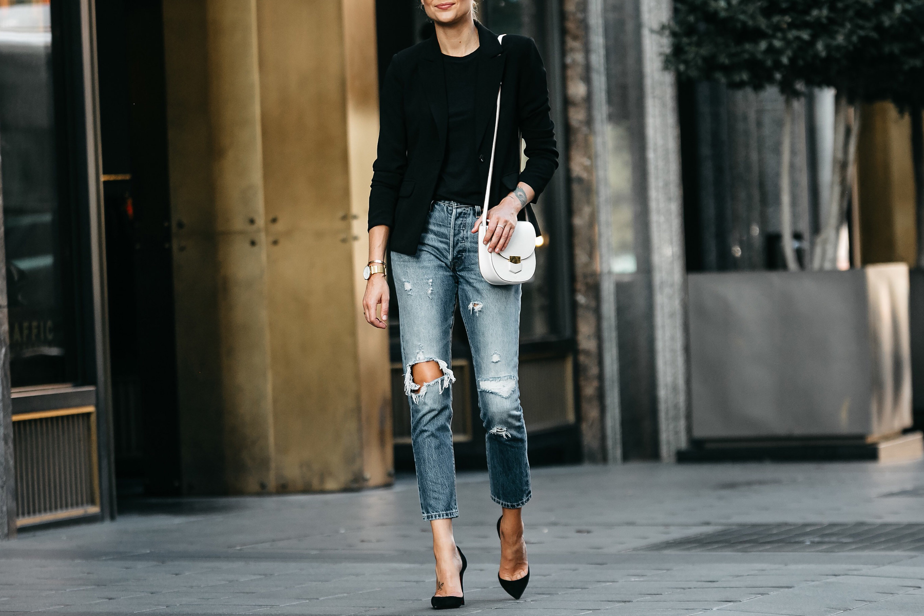 Black Blazer Black Tshirt Denim Ripped Jeans Outfit Christian Louboutin Black Pumps Celine Trotteur White Handbag Fashion Jackson Dallas Blogger Fashion Blogger Street Style