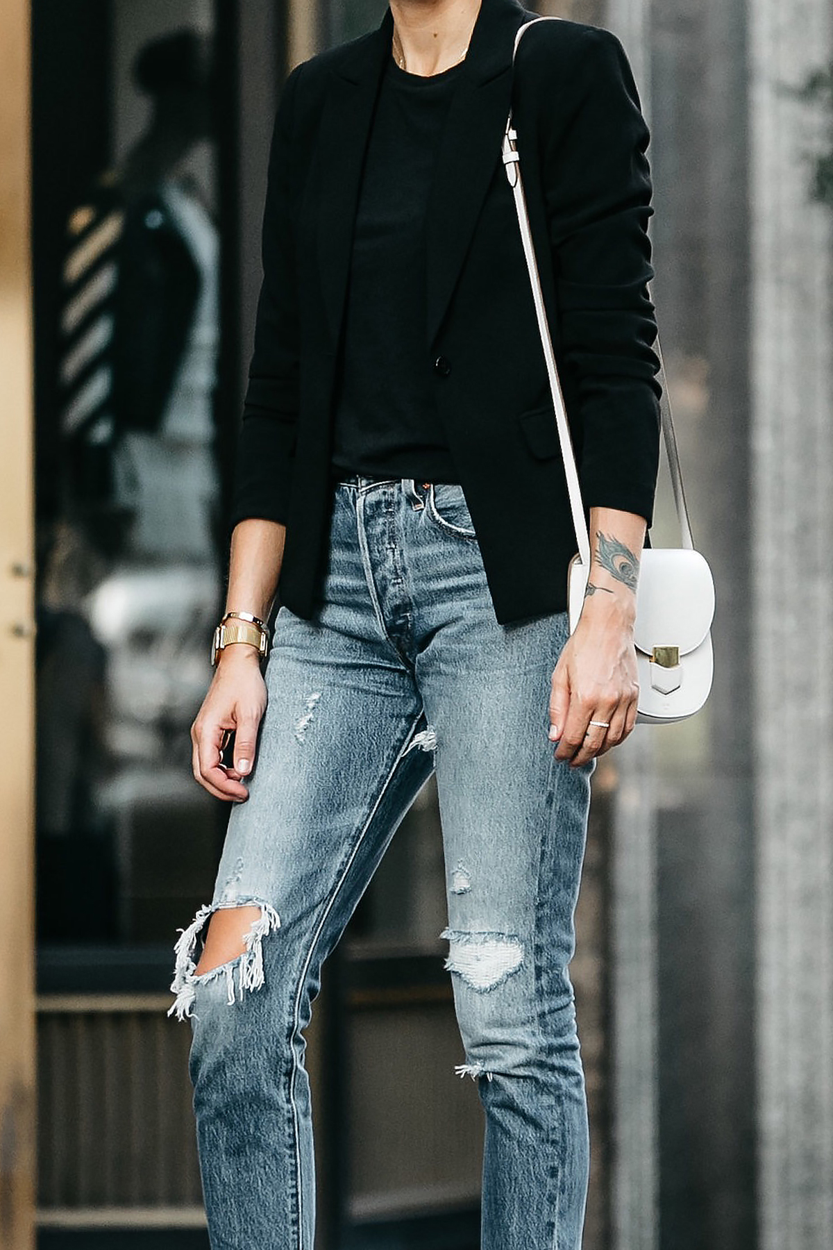 Black Blazer Black Tshirt Levis Ripped Denim Jeans Outfit Celine Trotteur White Handbag Fashion Jackson Dallas Blogger Fashion Blogger Street Style