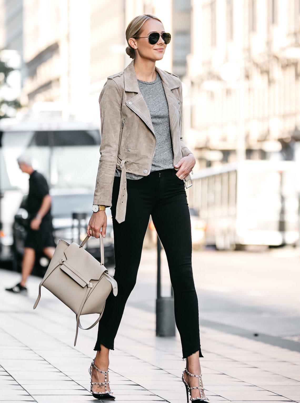 85202e50145 Blonde Woman Wearing Blanknyc Tan Suede Moto Jacket Grey Tshirt Black  Skinny Jeans Outfit Valentino Rockstud