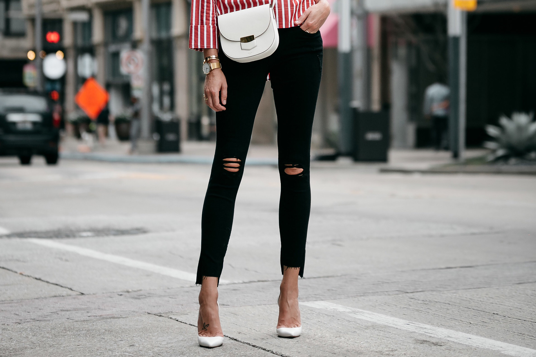 Celine White Trotteur Handbag Frame Black Ripped Skinny Jeans Christian Louboutin White Pumps Fashion Jackson Dallas Blogger Fashion Blogger Street Style