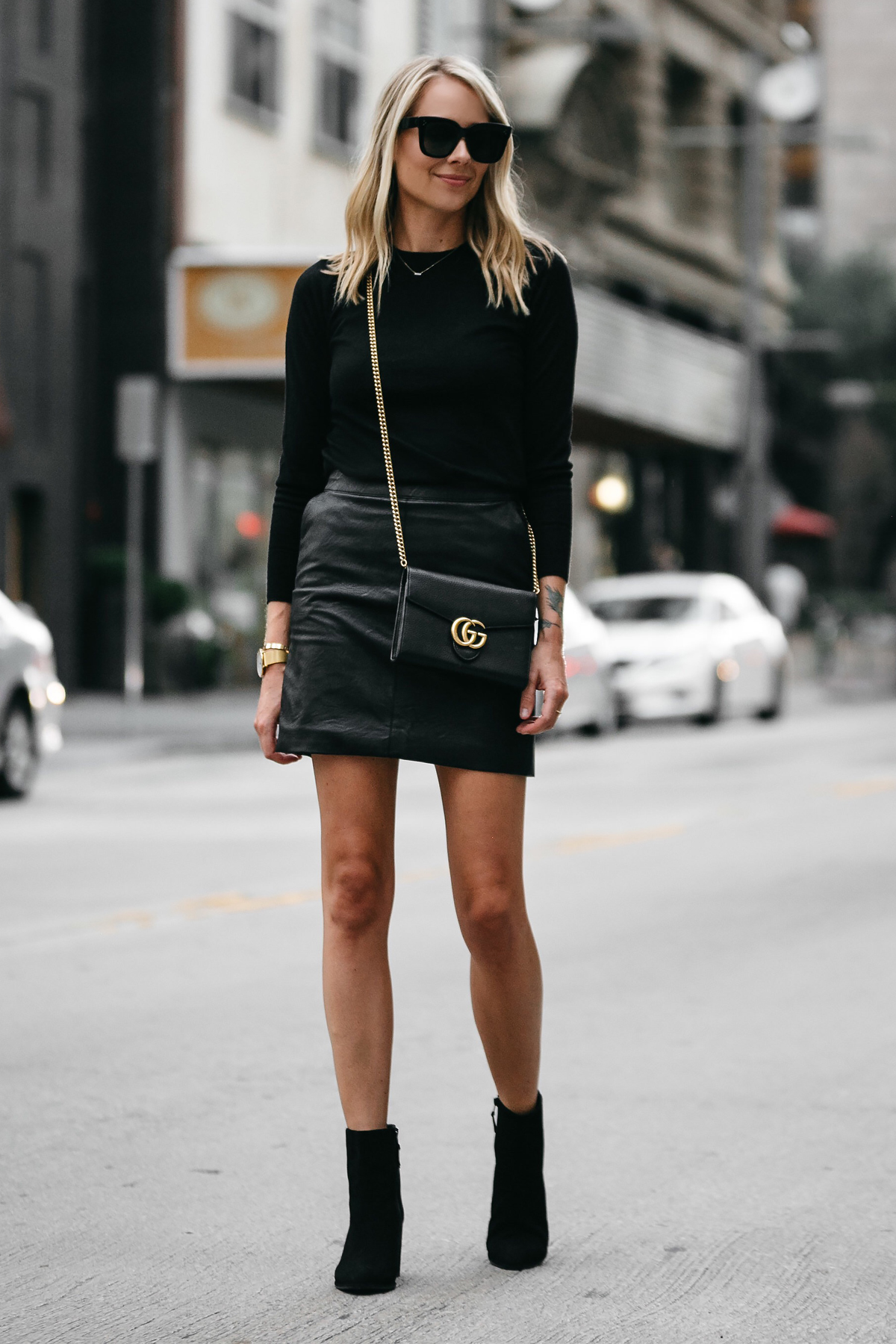 e22b6e3462 A STYLISH WAY TO WEAR A BLACK LEATHER MINI SKIRT | Fashion Jackson
