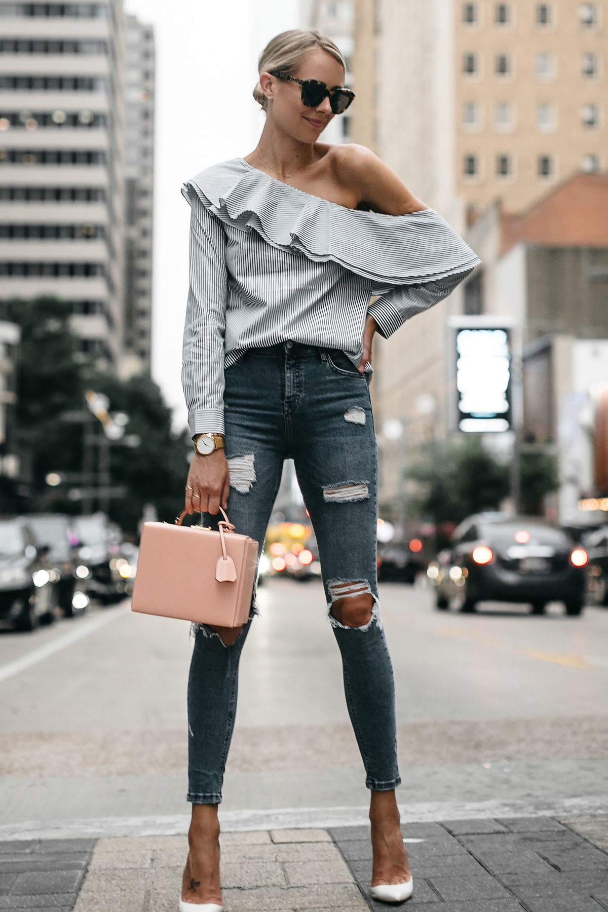 Topshop Denim Ripped Skinny Jeans Mark Cross Saffiano Pink Handbag Christian Louboutin White Pumps Fashion Jackson Dallas Blogger Fashion Blogger Street Style