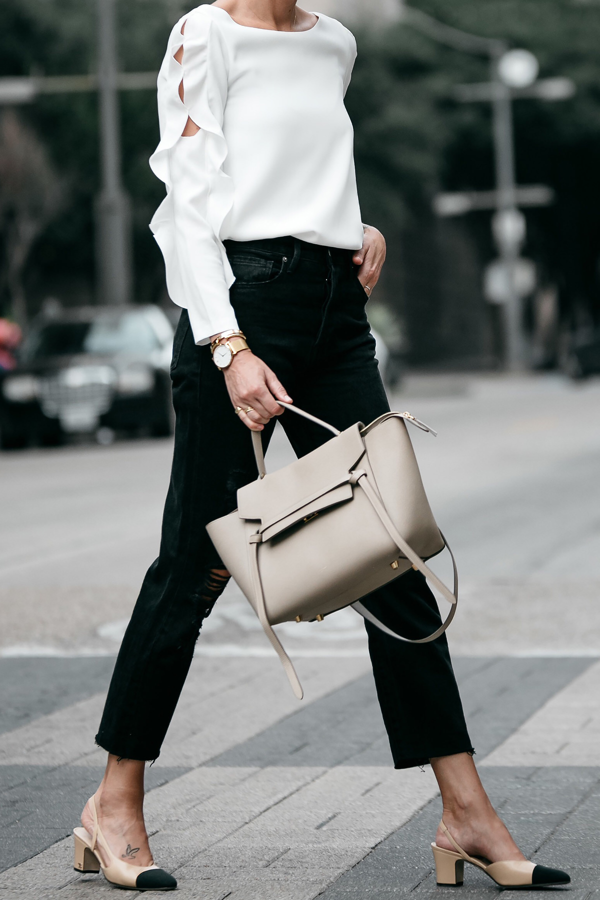 Club Monaco White Ruffle Sleeve Top Frame Black Ripped Boyfriend Jeans Outfit Celine Belt Bag Chanel Slingbacks Fashion Jackson Dallas Blogger Fashion Blogger Street Style