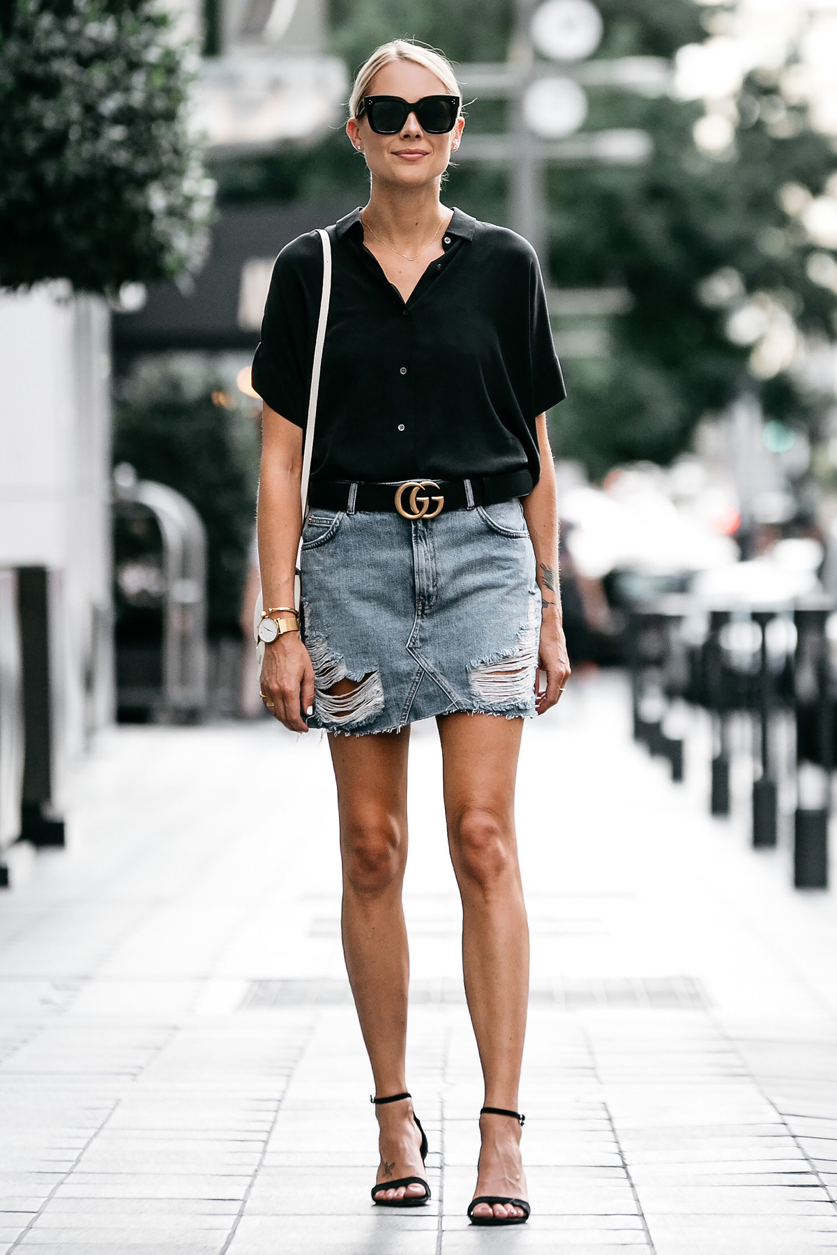 f59ad0f00bb Blonde Woman Wearing Everlane Black Short Sleeve Shirt Topshop Ripped Denim  Skirt Outfit Gucci Marmont Belt