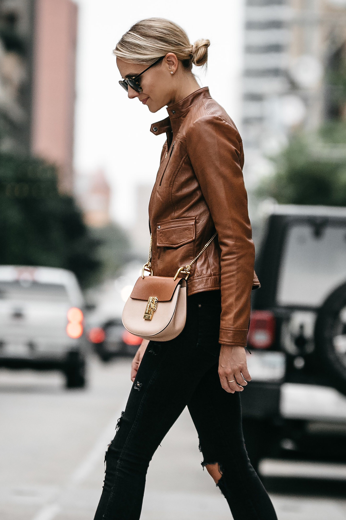 A CHIC WAY TO WEAR A TAN LEATHER MOTO JACKET | Fashion Jackson