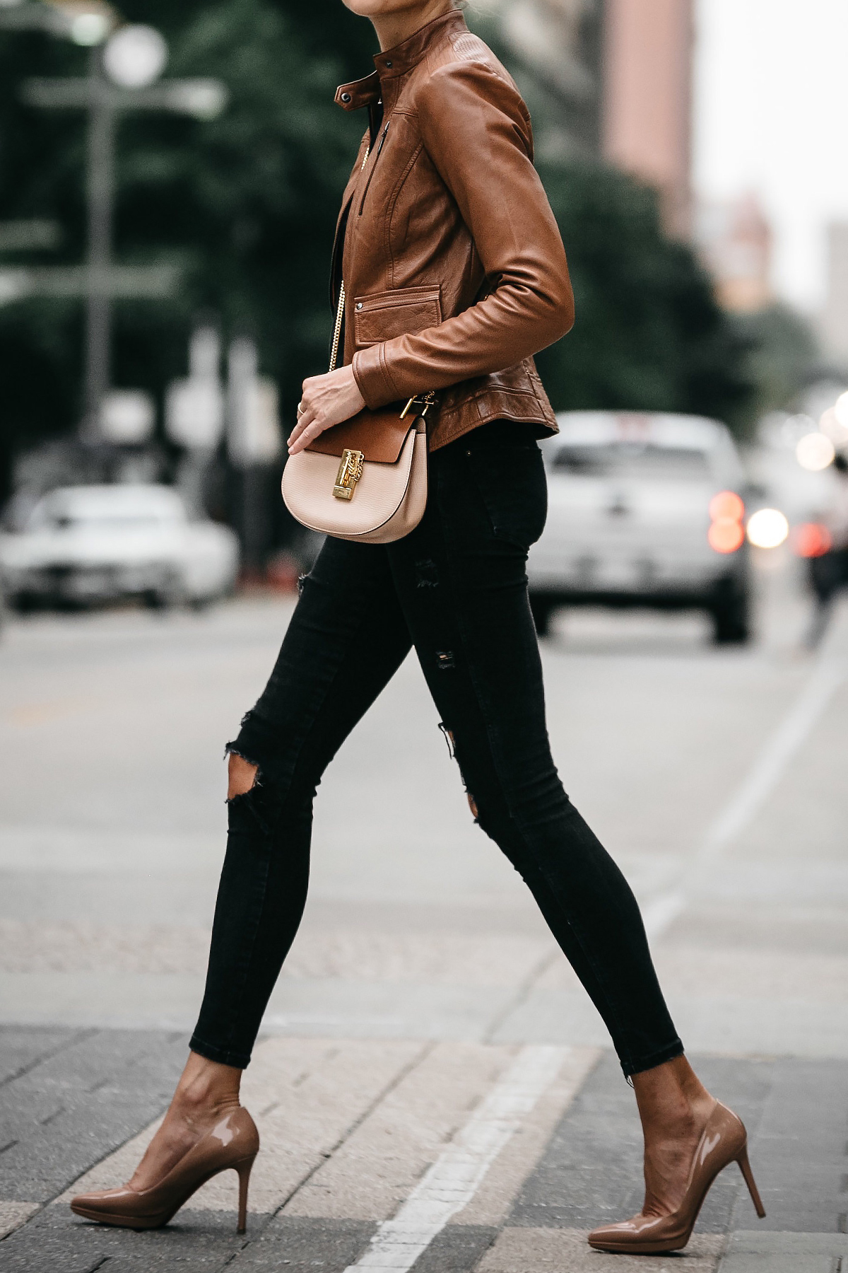 Tan Leather Moto Jacket Black Ripped Skinny Jeans Outfit Chloe Drew Handbag Christian Louboutin Nude Pumps Fashion Jackson Dallas Blogger Fashion Blogger Street Style