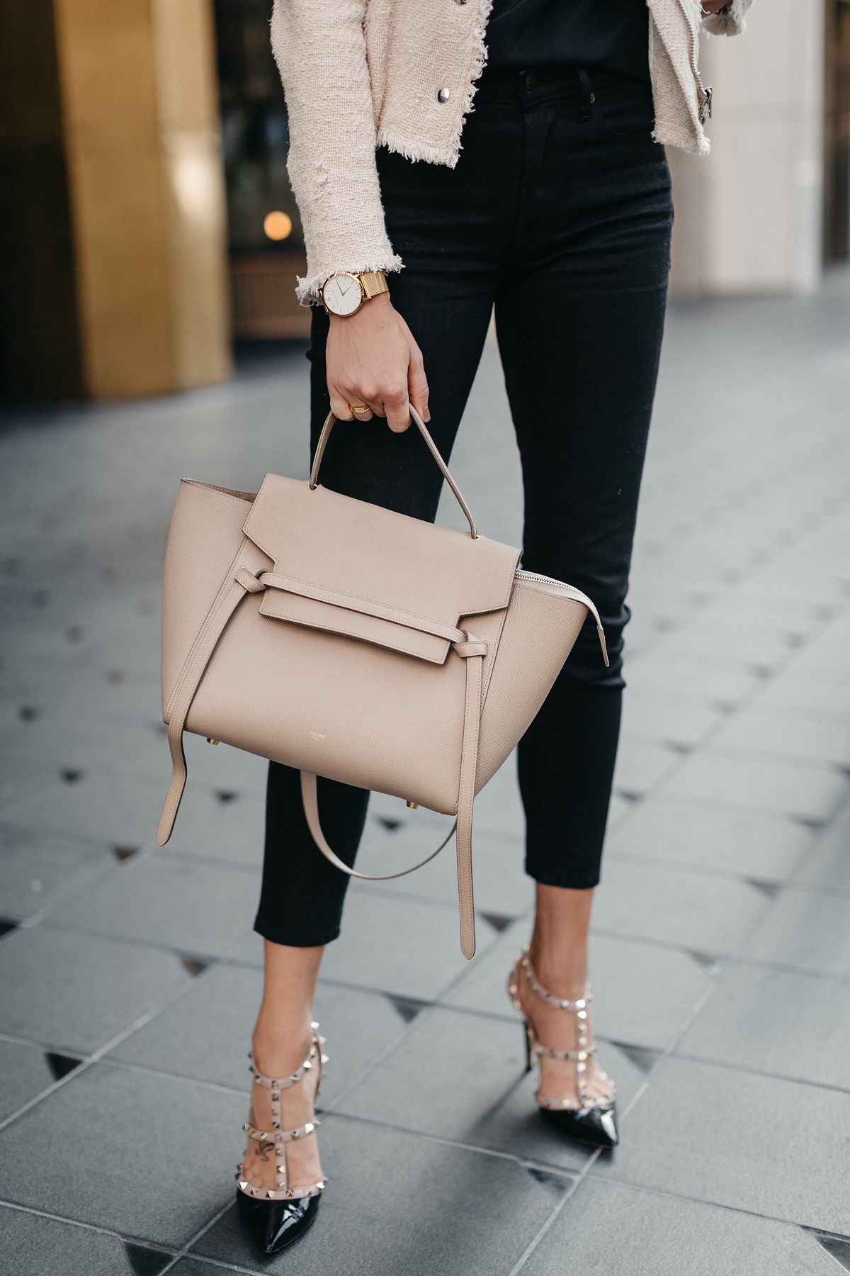Black Skinny Jeans Valentino Rockstud Pumps Celine Belt Bag Fashion Jackson Dallas Blogger Fashion Blogger Street Style