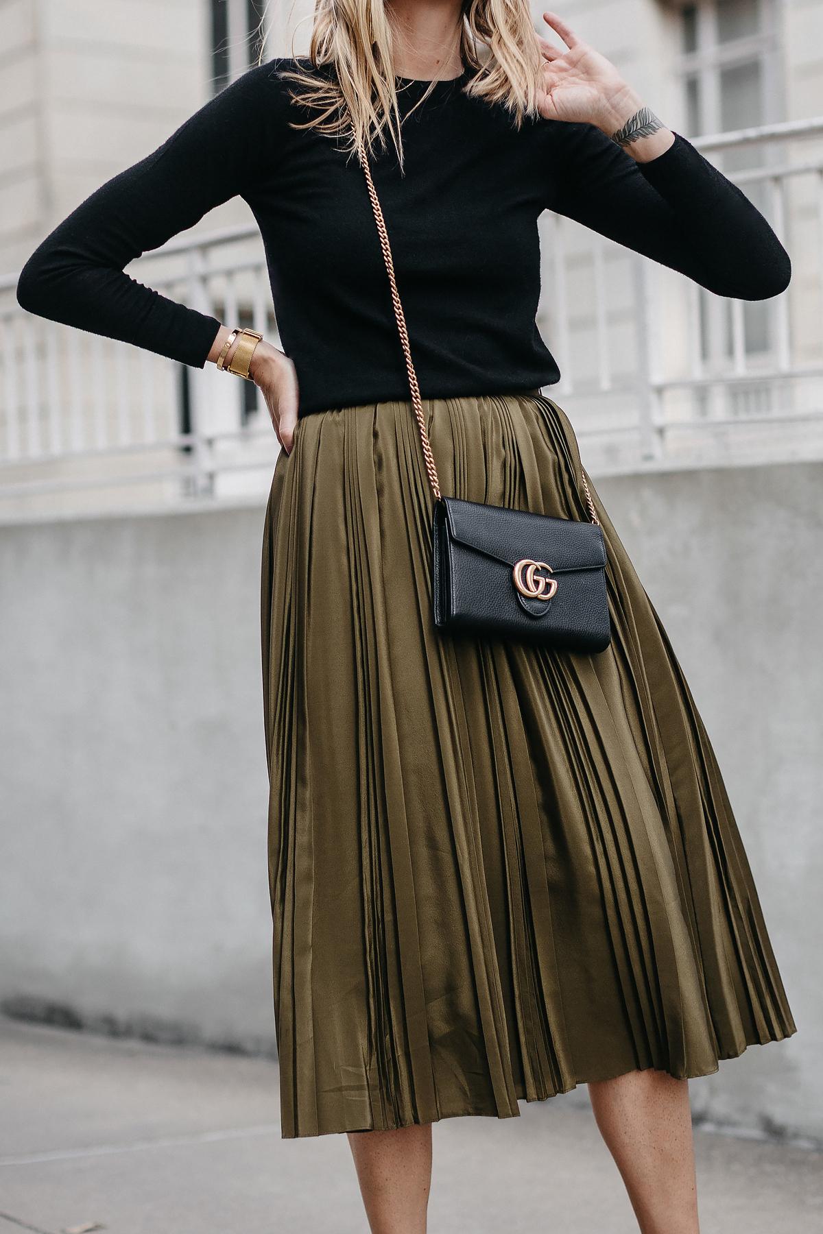 Black Sweater Robert Rodriguez Green Pleated Midi Skirt Gucci Marmont Handbag Fashion Jackson Dallas Blogger Fashion Blogger Street Style