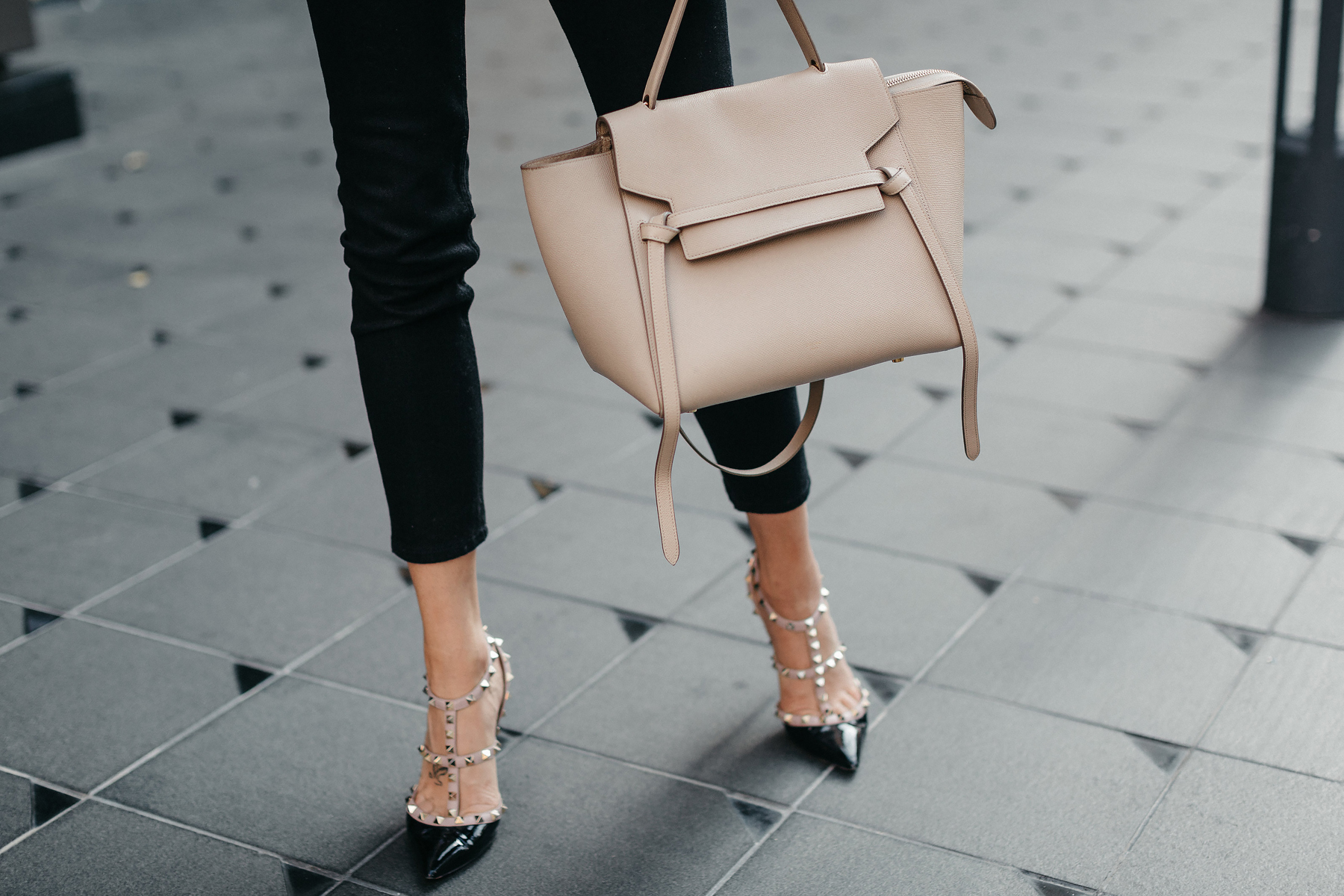 Celine Belt Bag Mini Valentino Rockstud Pumps Fashion Jackson Dallas Blogger Fashion Blogger Street Style