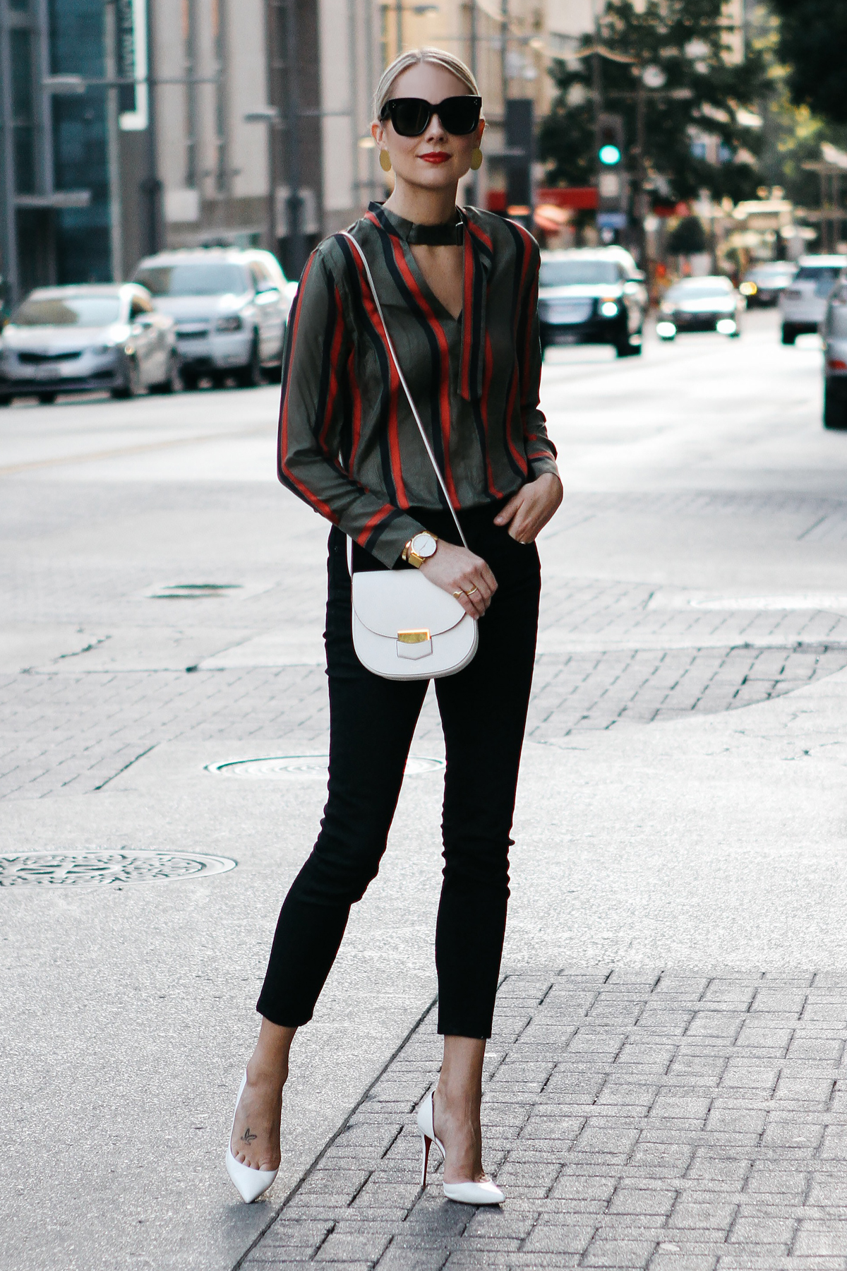 Blonde Woman Wearing Equipment Janelle Striped Blouse Everlane Black Skinny Jeans Christian Louboutin White Pumps Celine Trotteur White Handbag Fashion Jackson Dallas Blogger Fashion Blogger Street Style
