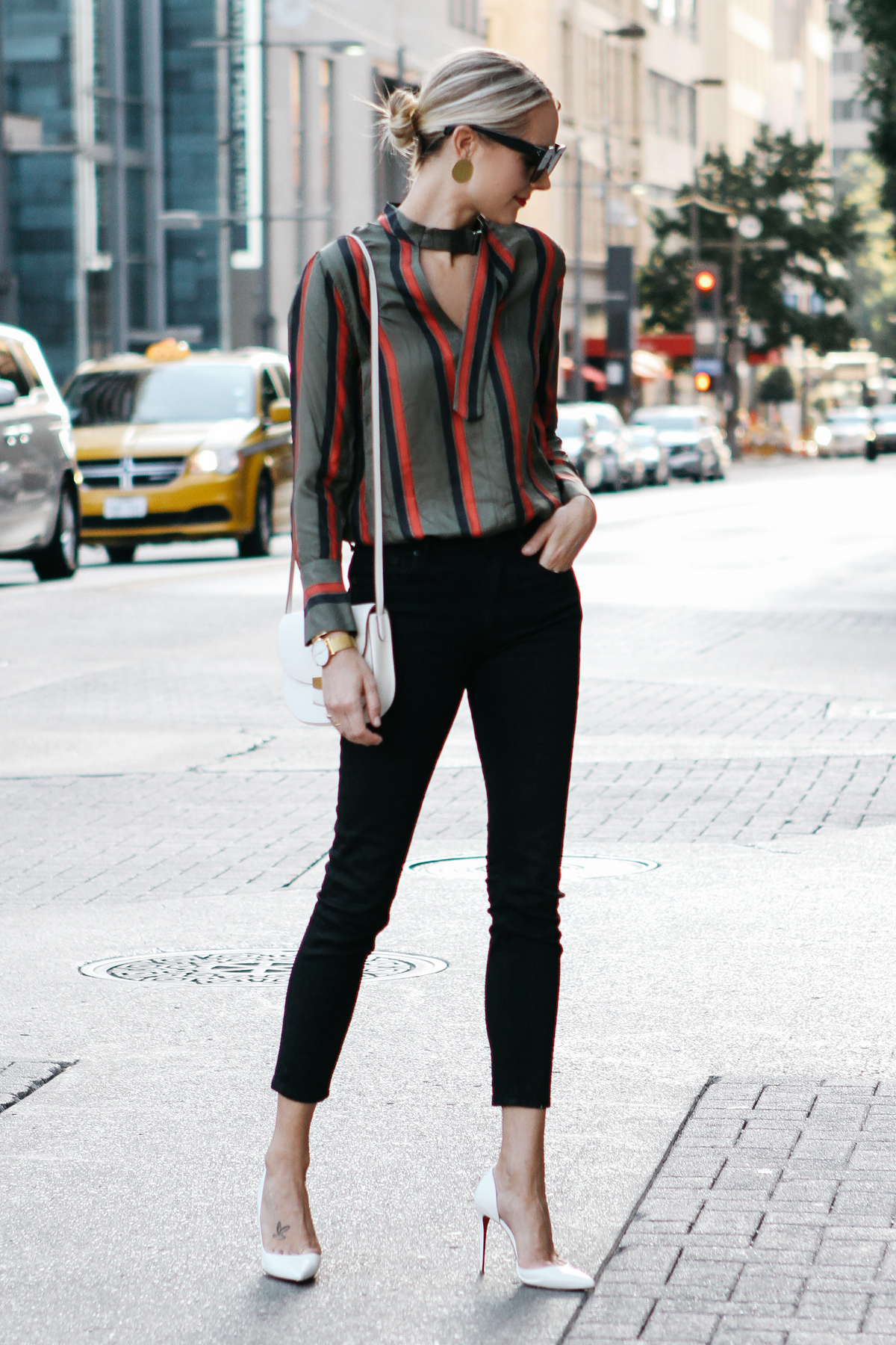Blonde Woman Wearing Equipment Janelle Striped Blouse Everlane Black Skinny Jeans Christian Louboutin White Pumps Fashion Jackson Dallas Blogger Fashion Blogger Street Style
