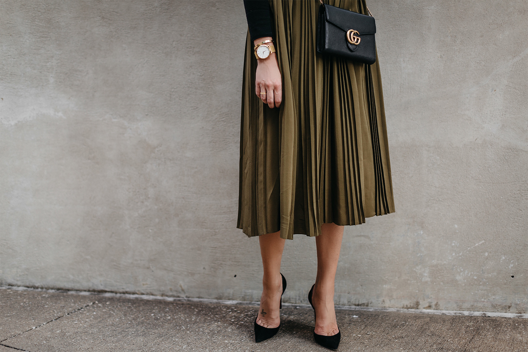 Robert Rodriguez Green Pleated Midi Skirt Gucci Marmont Handbag Christian Louboutin Black Pumps Fashion Jackson Dallas Blogger Fashion Blogger Street Style