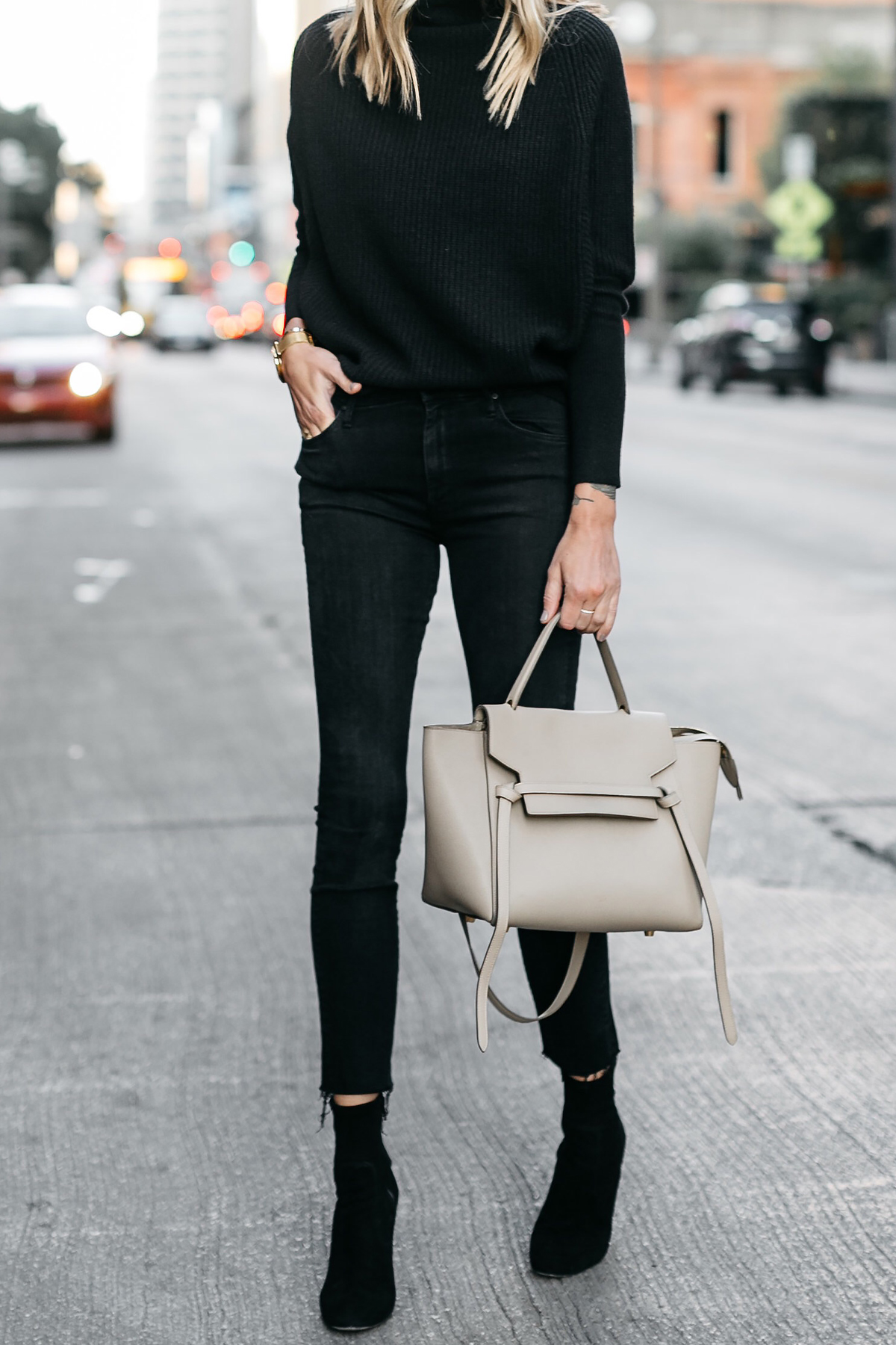 Club Monaco Black Cashmere Sweater Black Skinny Jeans Black Booties Celine Mini Belt Bag Fashion Jackson Dallas Blogger Fashion Blogger Street Style