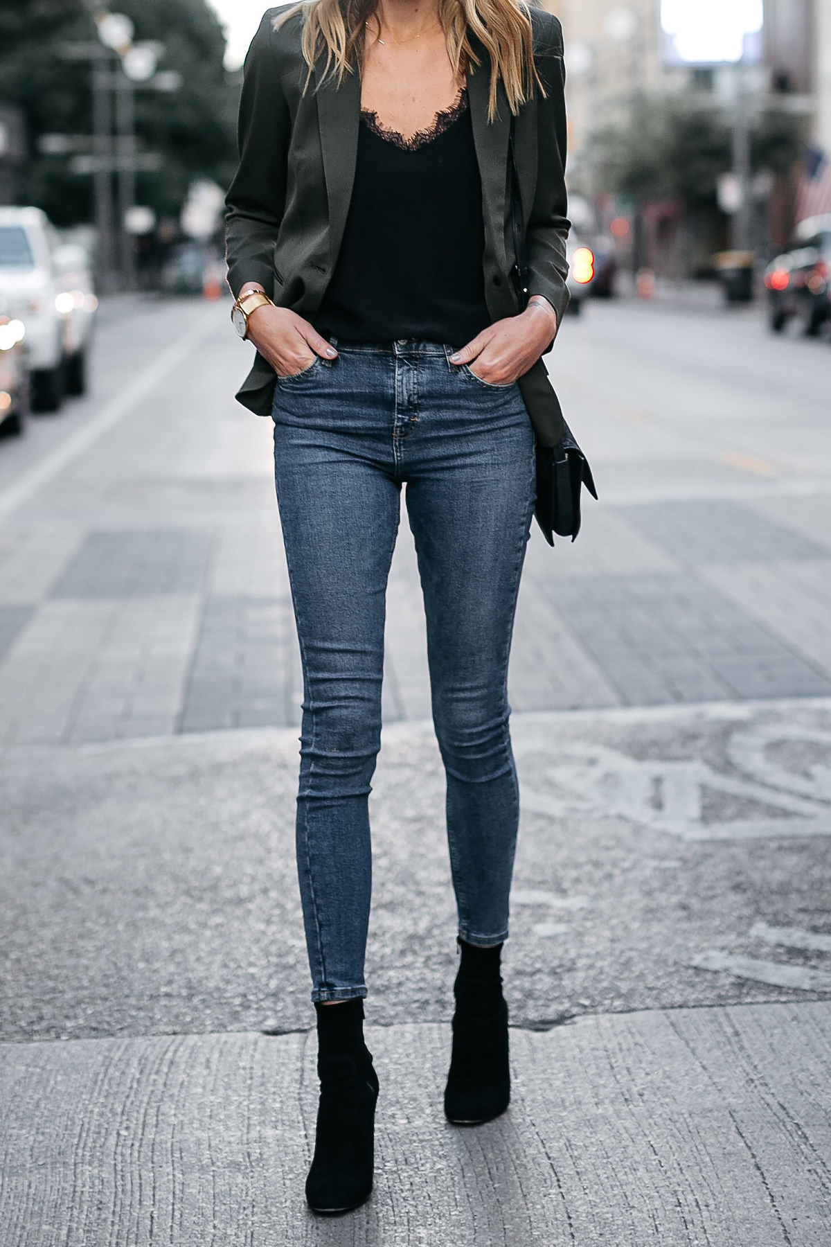 Everlane Olive Green Blazer Anine Bing Black Lace Cami Topshop Denim Skinny Jeans Club Monaco Black Booties Fashion Jackson Dallas Blogger Fashion Blogger Street Style