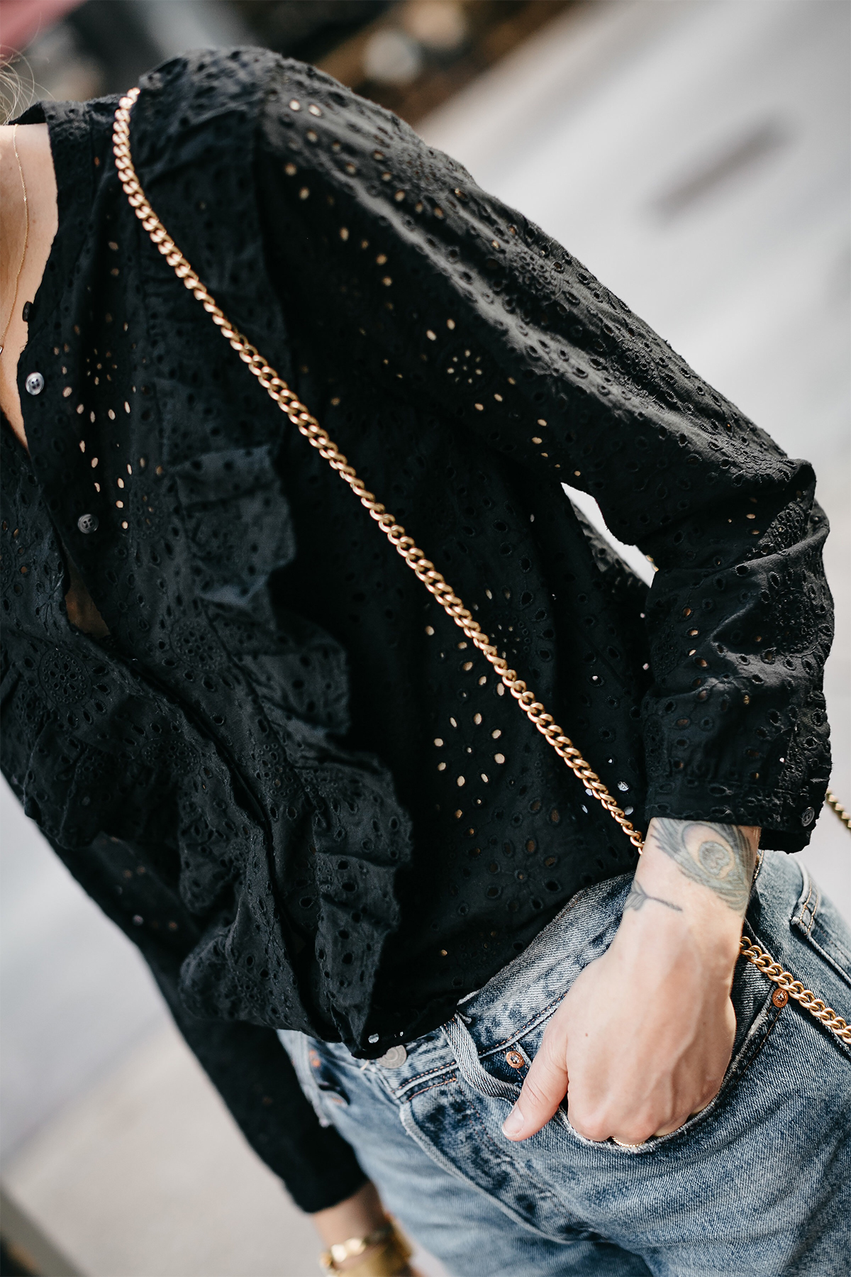 Madewell Black Eyelet Blouse Fashion Jackson Dallas Blogger Fashion Blogger Street Style