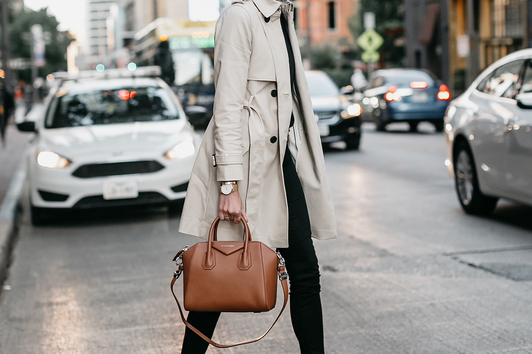 Club Monaco Trench Coat Black Skinny Jeans Givenchy Antigona Cognac Satchel Fashion Jackson Dallas Blogger Fashion Blogger Street Style
