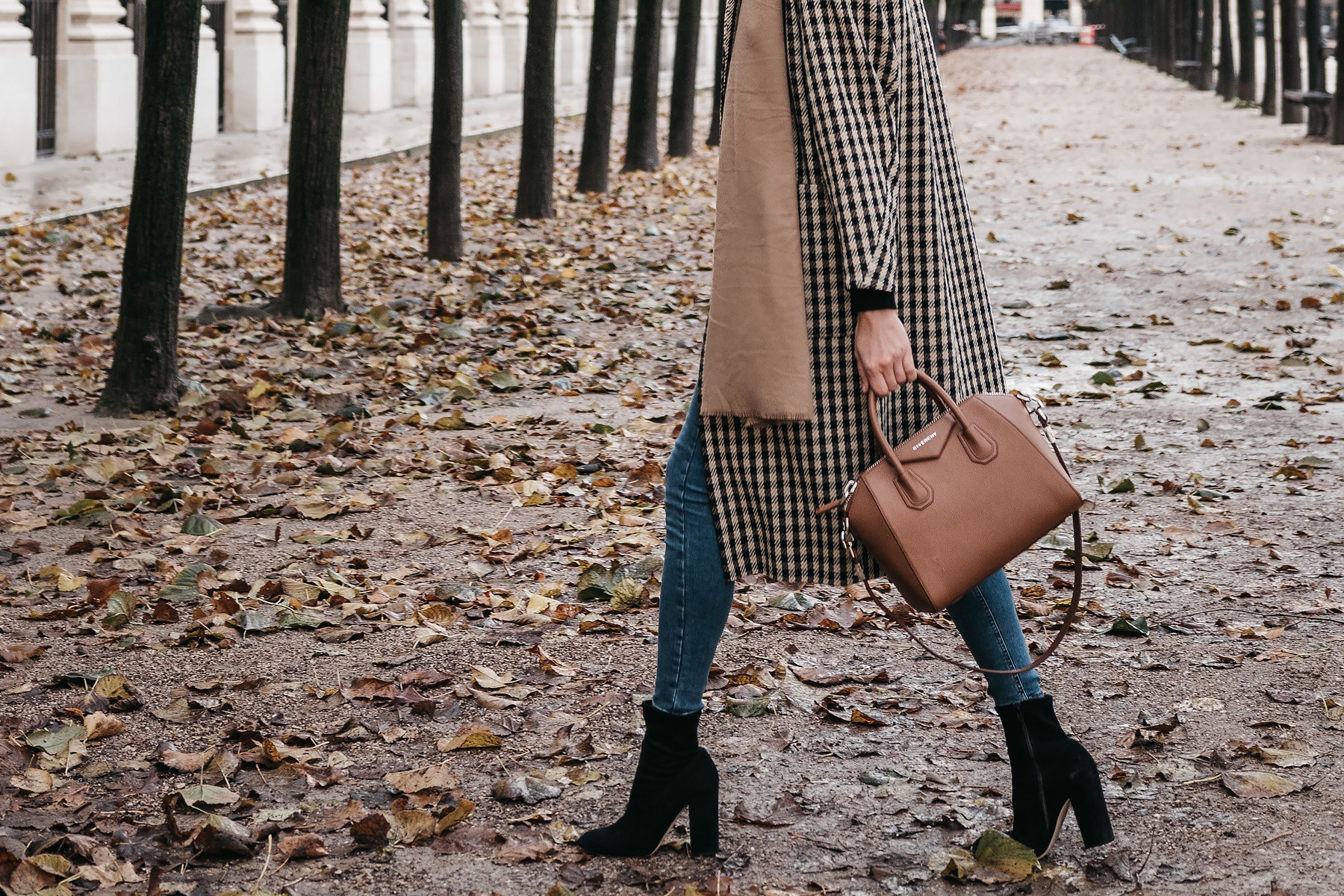 Paris France Fall Plaid Check Coat Tan Blanket Scarf Denim Skinny Jeans Black Ankle Booties Givenchy Antigona Cognac Satchel Fashion Jackson Dallas Blogger Fashion Blogger Street Style