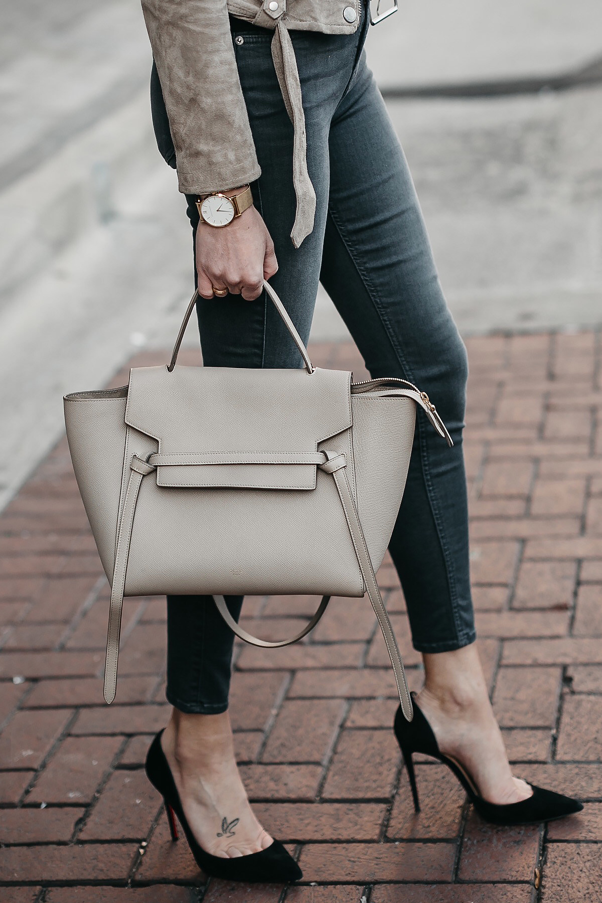 Celine Mini Belt Bag Black Pumps Grey Skinny Jeans Fashion Jackson Dallas Blogger Fashion Blogger Street Style