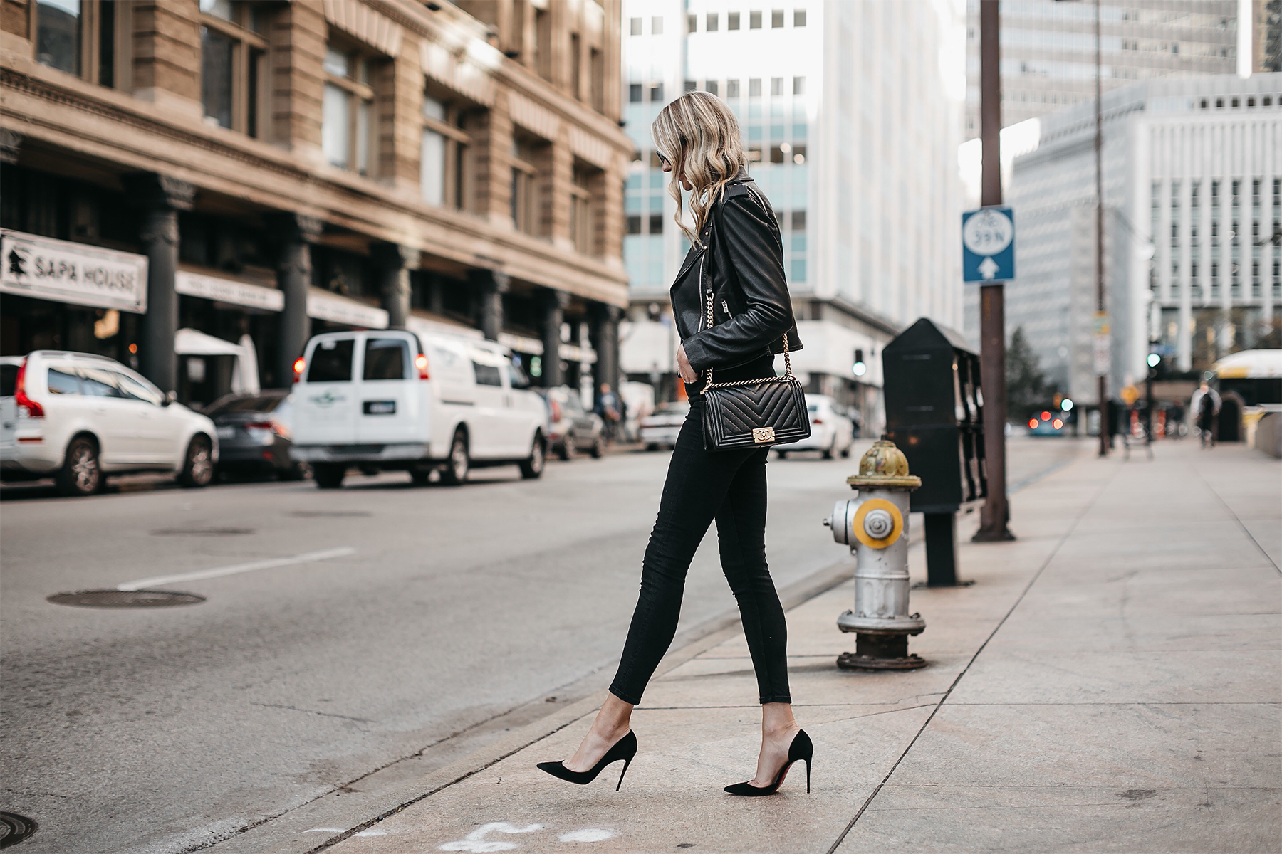 Blonde Woman Wearing Club Monaco Black Leather Jacket Black Skinny Jeans Black Pumps Chanel Boy Bag Fashion Jackson Dallas Blogger Fashion Blogger Street Style