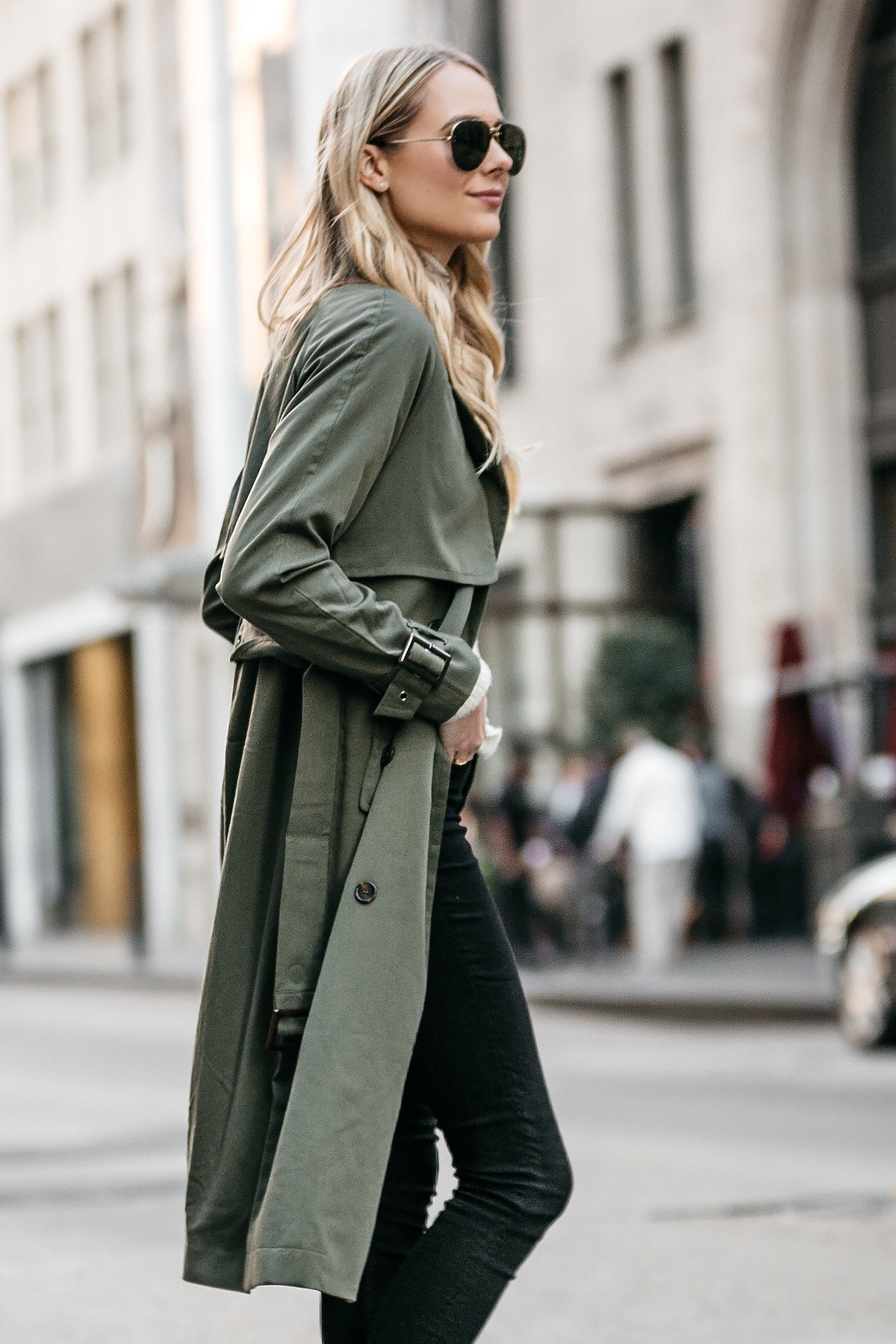 Blonde Woman Wearing Green Trench Coat Black Jeans Fashion Jackson Dallas Blogger Fashion Blogger Street Style