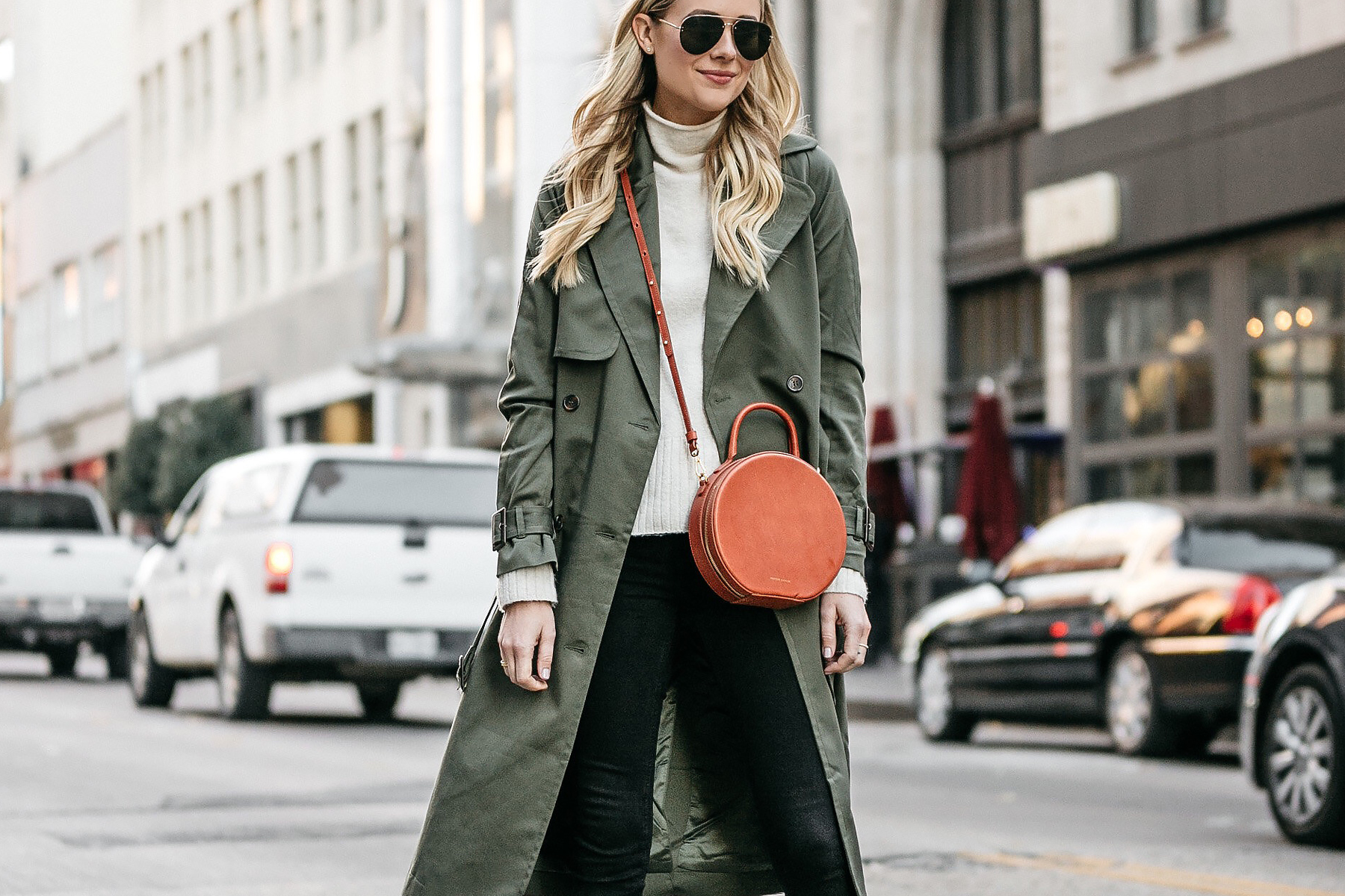 Blonde Woman Wearing Green Trench Coat Mansur Gavriel Circle Crossbody Fashion Jackson Dallas Blogger Fashion Blogger Street Style