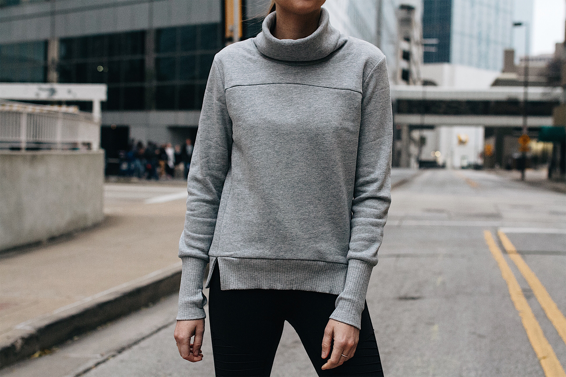 Woman Wearing Alo Grey Funnel Neck Sweatshirt Fashion Jackson Dallas Blogger Fashion Blogger Street Style Athletic Workout Apparel