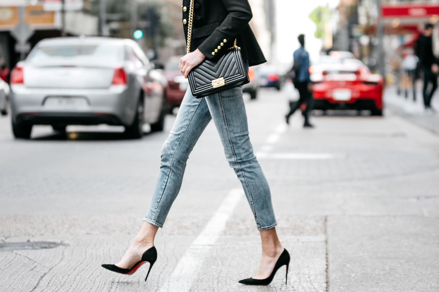 Woman Wearing Chanel Chevron Boy Bag Black Denim Skinny Jeans Christian Louboutin Black Pumps Fashion Jackson Dallas Blogger Fashion Blogger Street Style