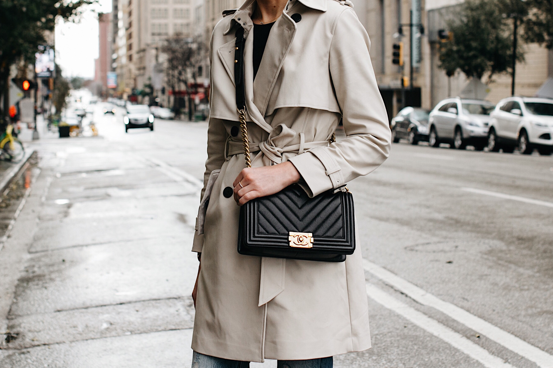 Woman Wearing Club Monaco Trench Coat Chanel Black Boy Bag Chevron Fashion Jackson Dallas Blogger Fashion Blogger Street Style