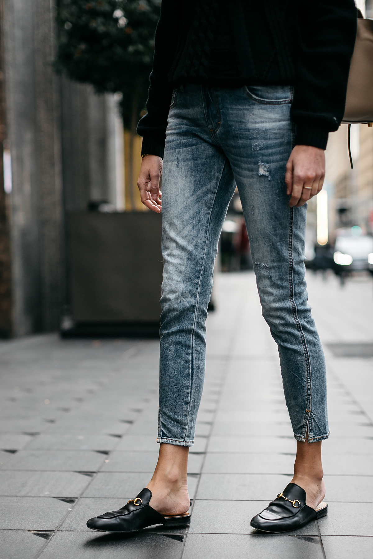 Woman Wearing Denim Split Hem Skinny Jeans Gucci Loafer Mules Fashion Jackson Dallas Blogger Fashion Blogger Street Style
