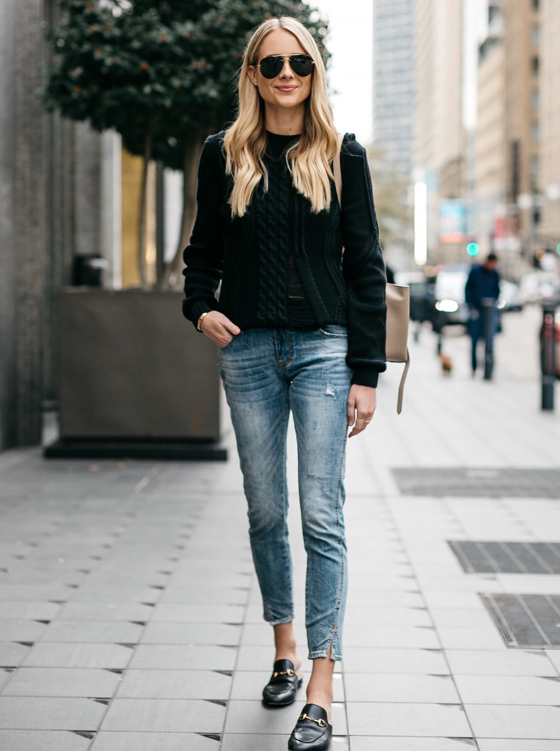 Blonde Woman Wearing Black Sweater Denim Jeans Outfit Frame Black Cable Knit Sweater Denim Split Hem Skinny Jeans Gucci Loafer Mules Fashion Jackson Dallas Blogger Fashion Blogger Street Style