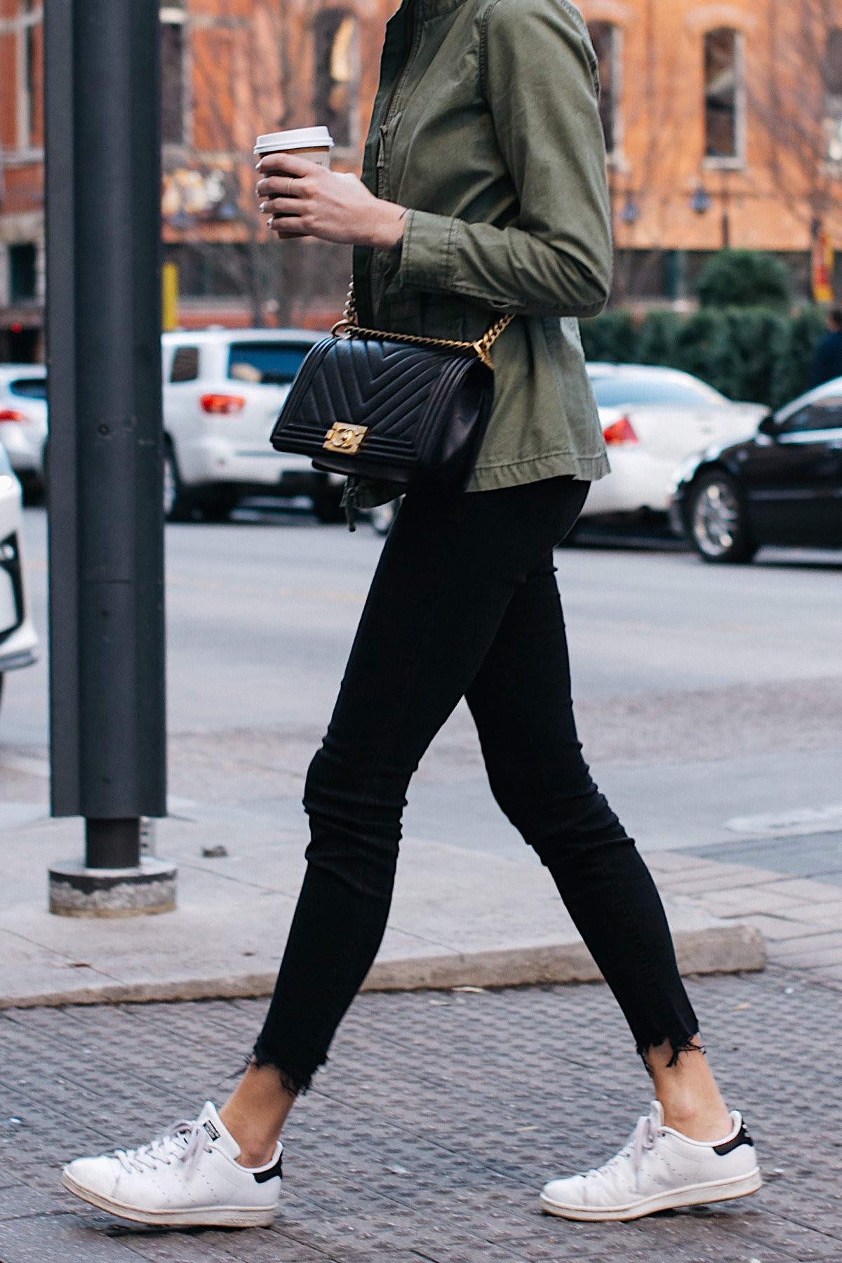 Woman Wearing Madewell Fleet Jacket Chanel Black Boy Bag Fashion Jackson Dallas Blogger Fashion Blogger Street Style