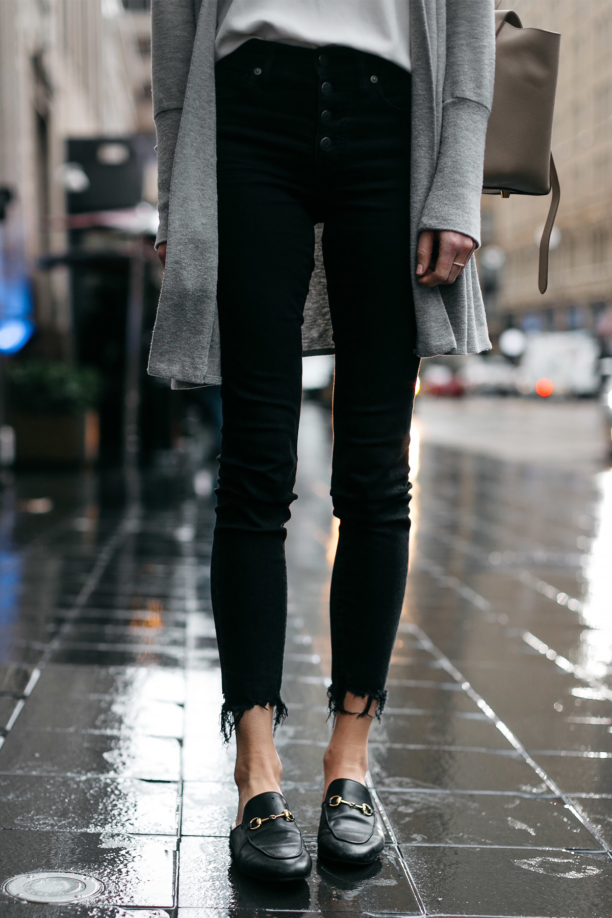 Woman Wearing Madewell Black Ripped Skinny Jeans Gucci Princetown Black Mules Fashion Jackson Dallas Blogger Fashion Blogger Street Style