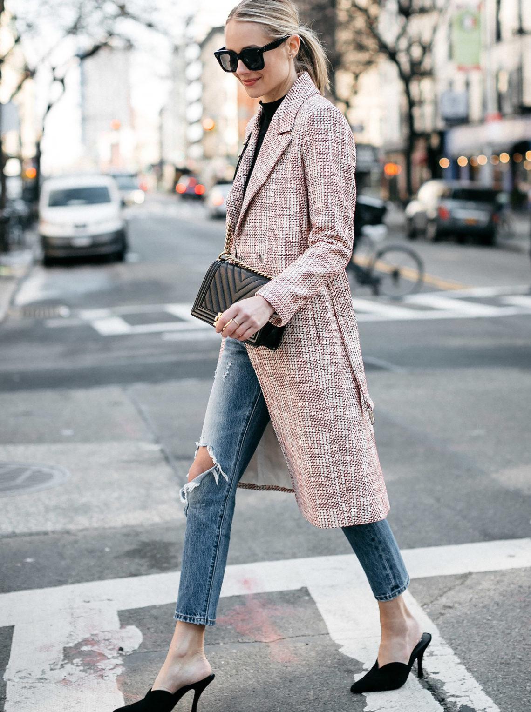 Blonde Woman Wearing HM Tweed Coat Levis Ripped Jeans Black Pumps Chanel Black Chevron Boy Bag Fashion Jackson Dallas Blogger Fashion Blogger Street Style NYFW