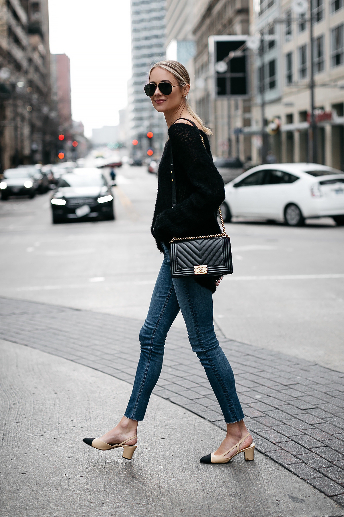 Blonde Woman Wearing rag and bone Denim Skinny Jeans Chanel Slingbacks Chanel Black Boy Bag Fashion Jackson Dallas Blogger Fashion Blogger Street Style