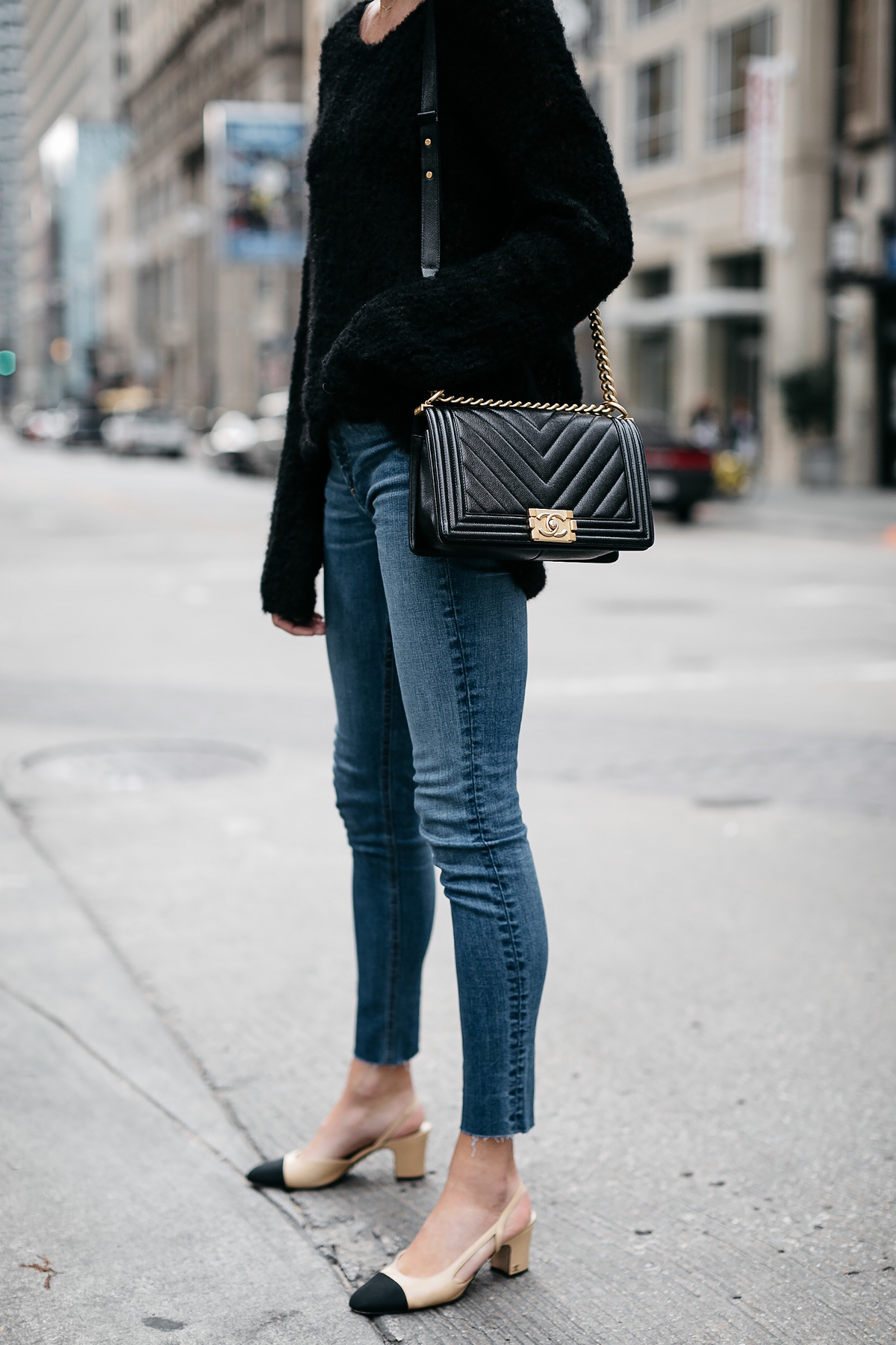 Woman Wearing rag and bone Denim Skinny Jeans Chanel Slingbacks Fashion Jackson Dallas Blogger Fashion Blogger Street Style