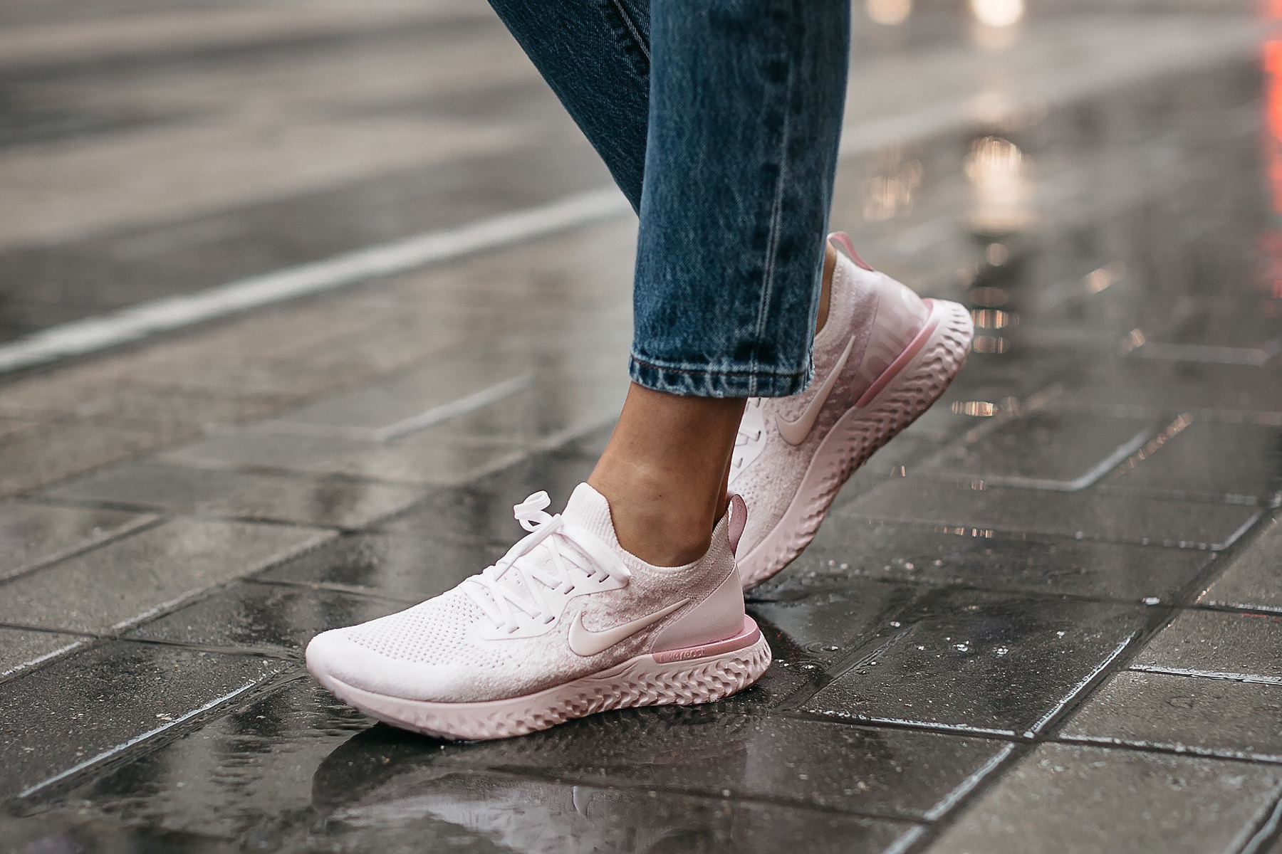 Woman Wearing Nike React Running Shoe Pink Fashion Jackson Dallas Blogger Fashion Blogger Street Style