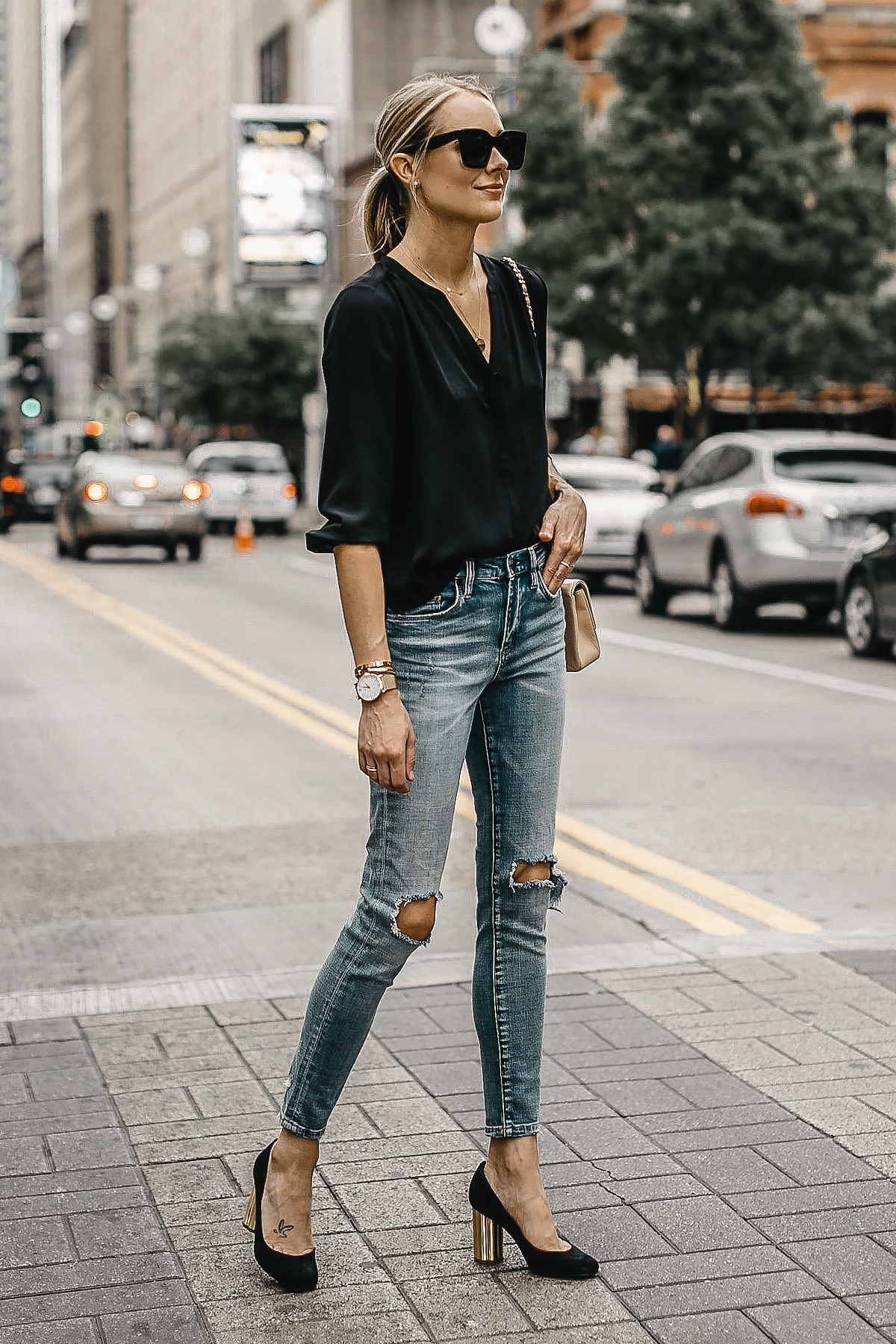 Blonde Woman Wearing Black Top Blanknyc Ripped Denim Skinny Jeans Salvatore Ferragamo Black Pumps Fashion Jackson Dallas Blogger Fashion Blogger Street Style