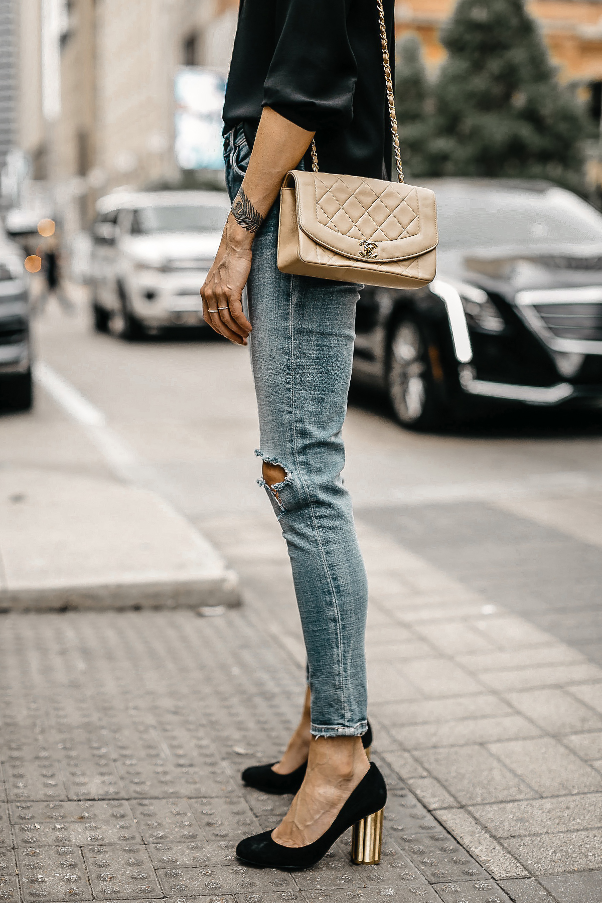Woman Wearing Blanknyc Ripped Denim Skinny Jeans Salvatore Ferragamo Black Pumps Tan Chanel Quilted Handbag Fashion Jackson Dallas Blogger Fashion Blogger Street Style