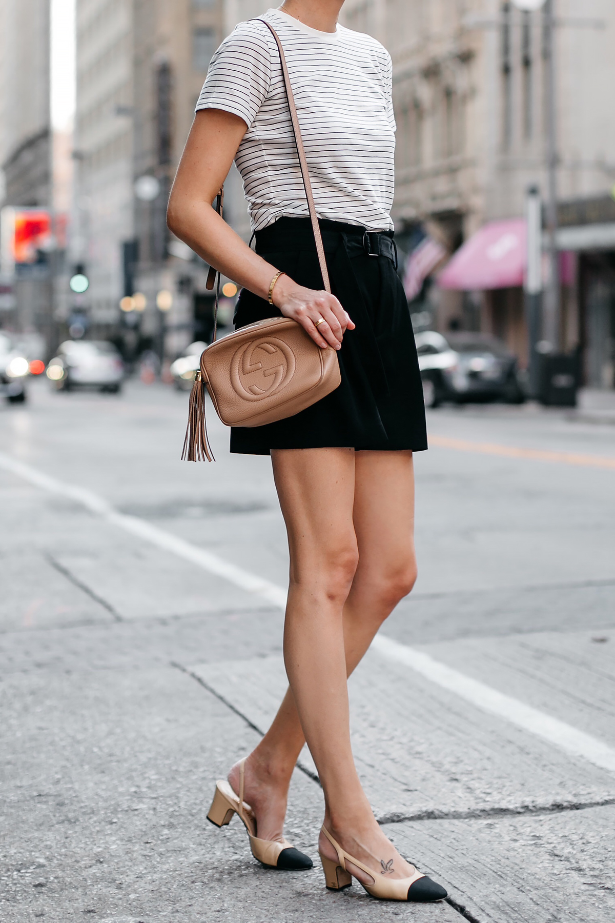 Woman Wearing Vince Striped Tshirt Vince Black Belted Shorts Chanel Slingbacks Gucci Tan Soho Handbag Fashion Jackson Dallas Blogger Fashion Blogger Street Style