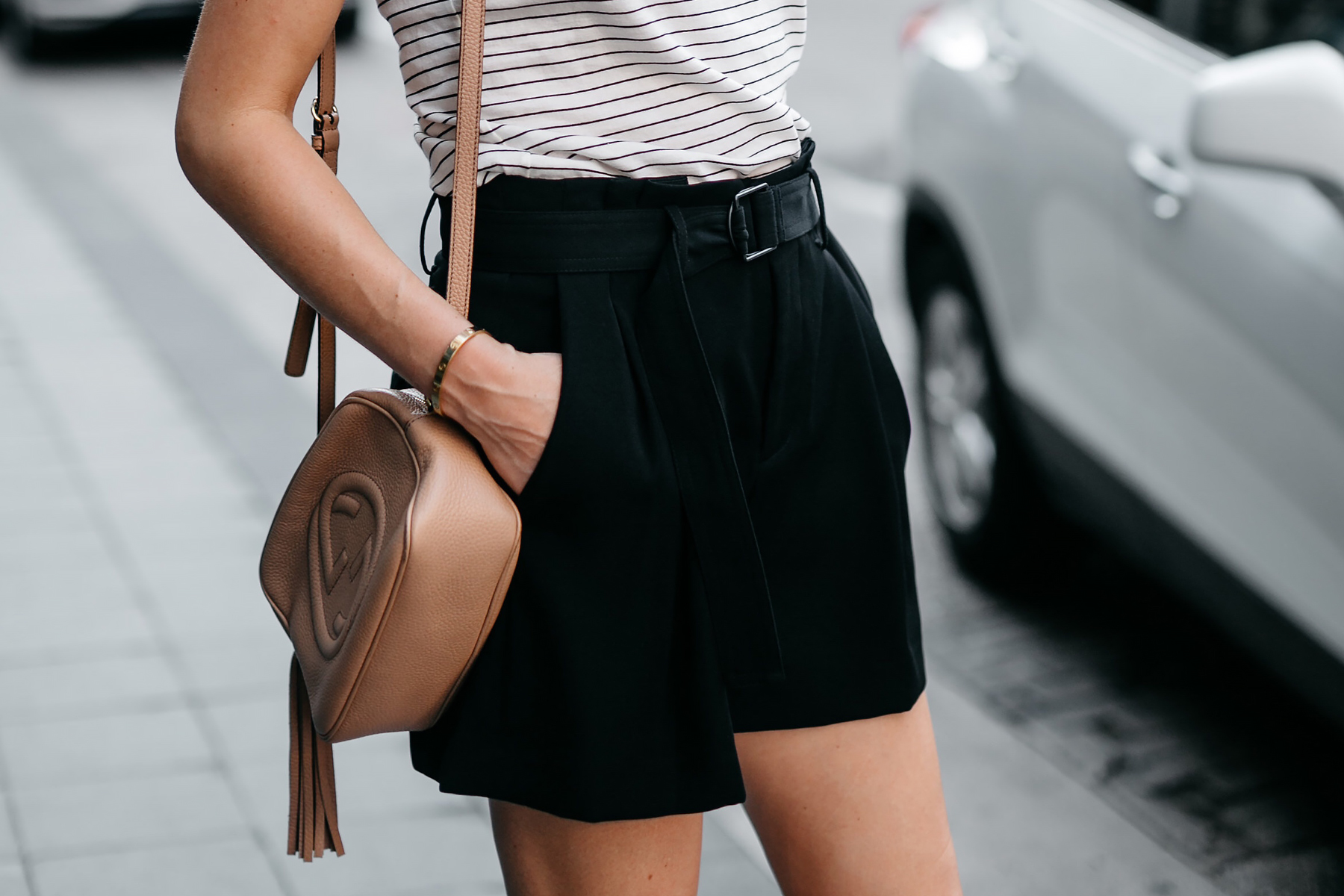 Woman Wearing Vince Striped Tshirt Vince Black Belted Shorts Gucci Tan Soho Handbag Fashion Jackson Dallas Blogger Fashion Blogger Street Style