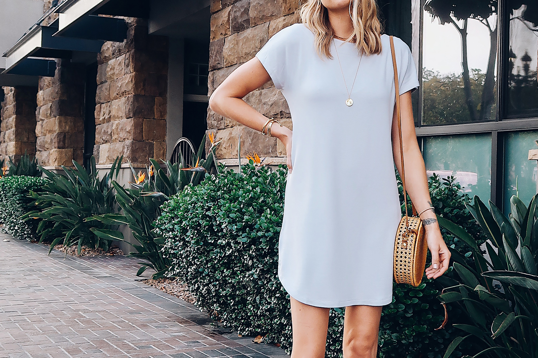 Blonde Woman Wearing Lou & Grey Tshirt Dress Circle Basket Handbag Fashion Jackson San Diego Blogger Fashion Blogger Street Style