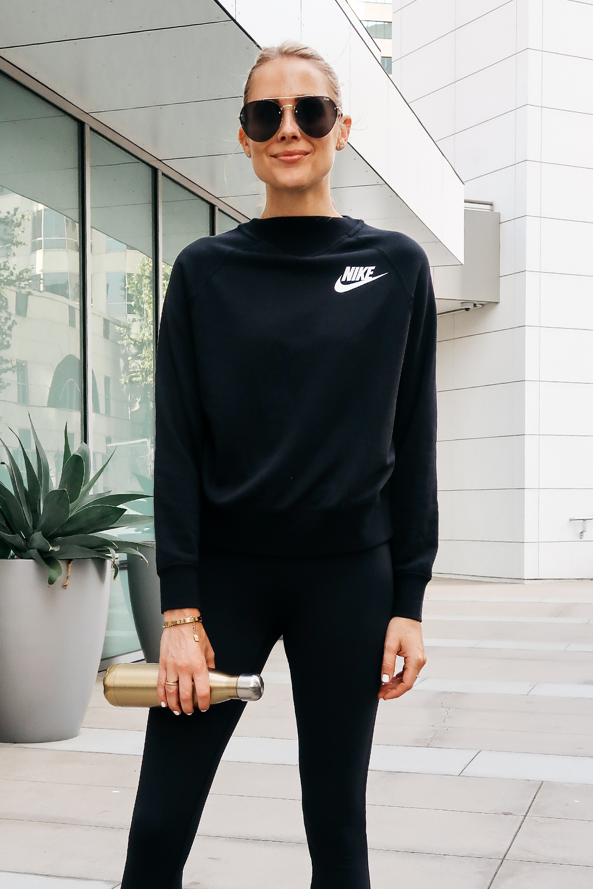 Blonde Woman Wearing Nordstrom Anniversary Sale Nike Sweatshirt Zella Black Leggings Aviator Sunglasses Fashion Jackson San Diego Blogger Fashion Blogger Street Style