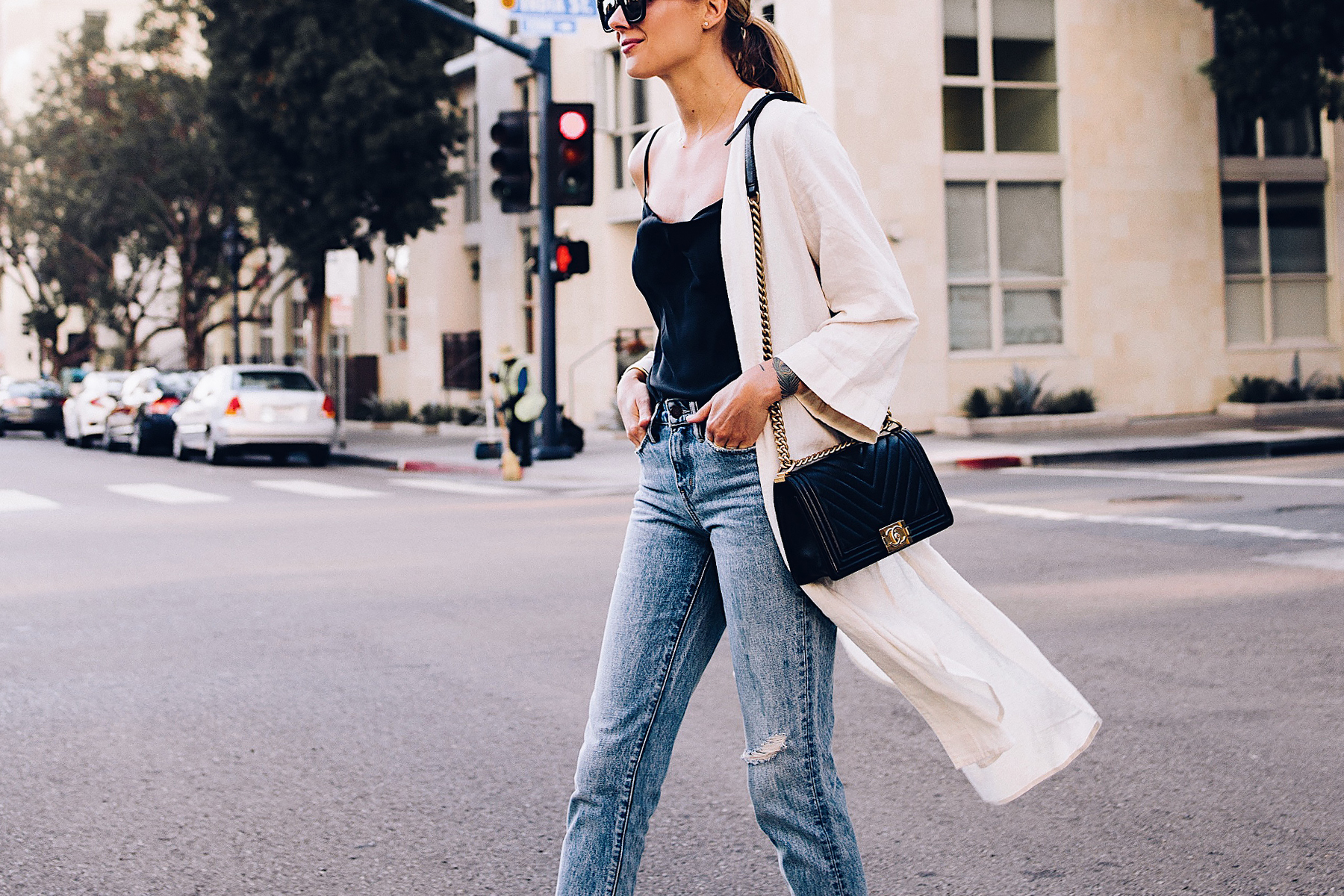 Blonde Woman Wearing Topshop Black Cami Denim Ripped Mom Jeans Beige Linen Kimono Chanel Black Boy Bag Fashion Jackson San Diego Blogger Fashion Blogger Street Style