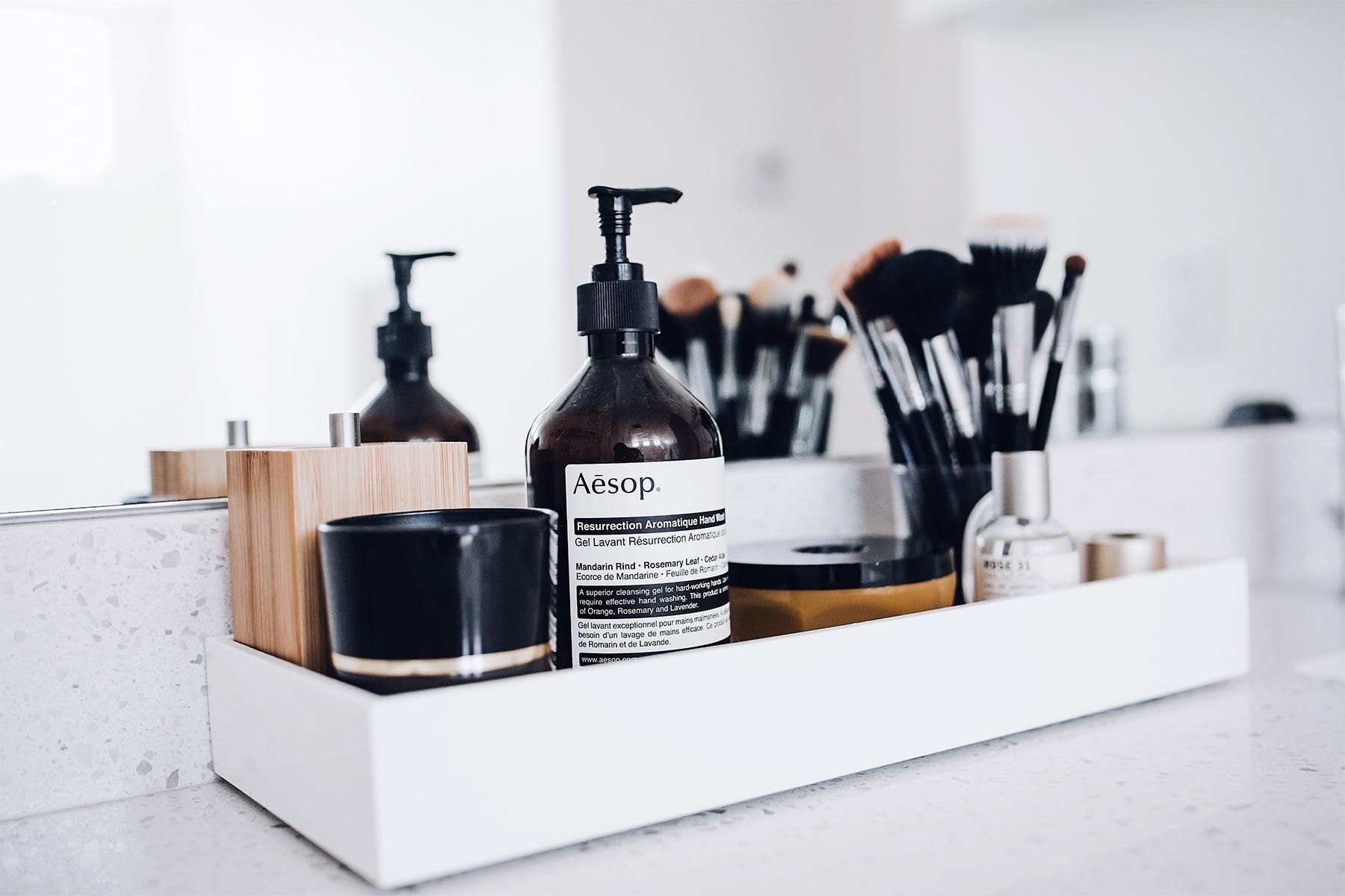 Fashion Jackson Daily Makeup Beauty Routine Sigma Makeup Brushes