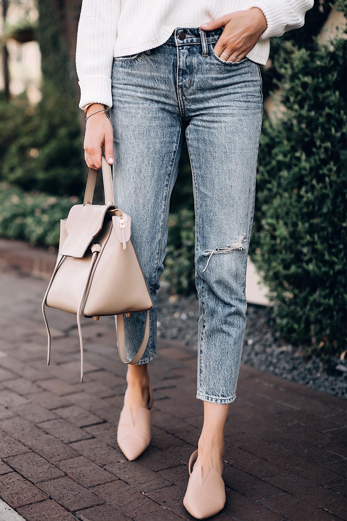 Woman Wearing Denim Ankle Crop Jeans Vince Blush Flats Celine Mini Belt Bag Fashion Jackson San Diego Fashion Blogger Street Style
