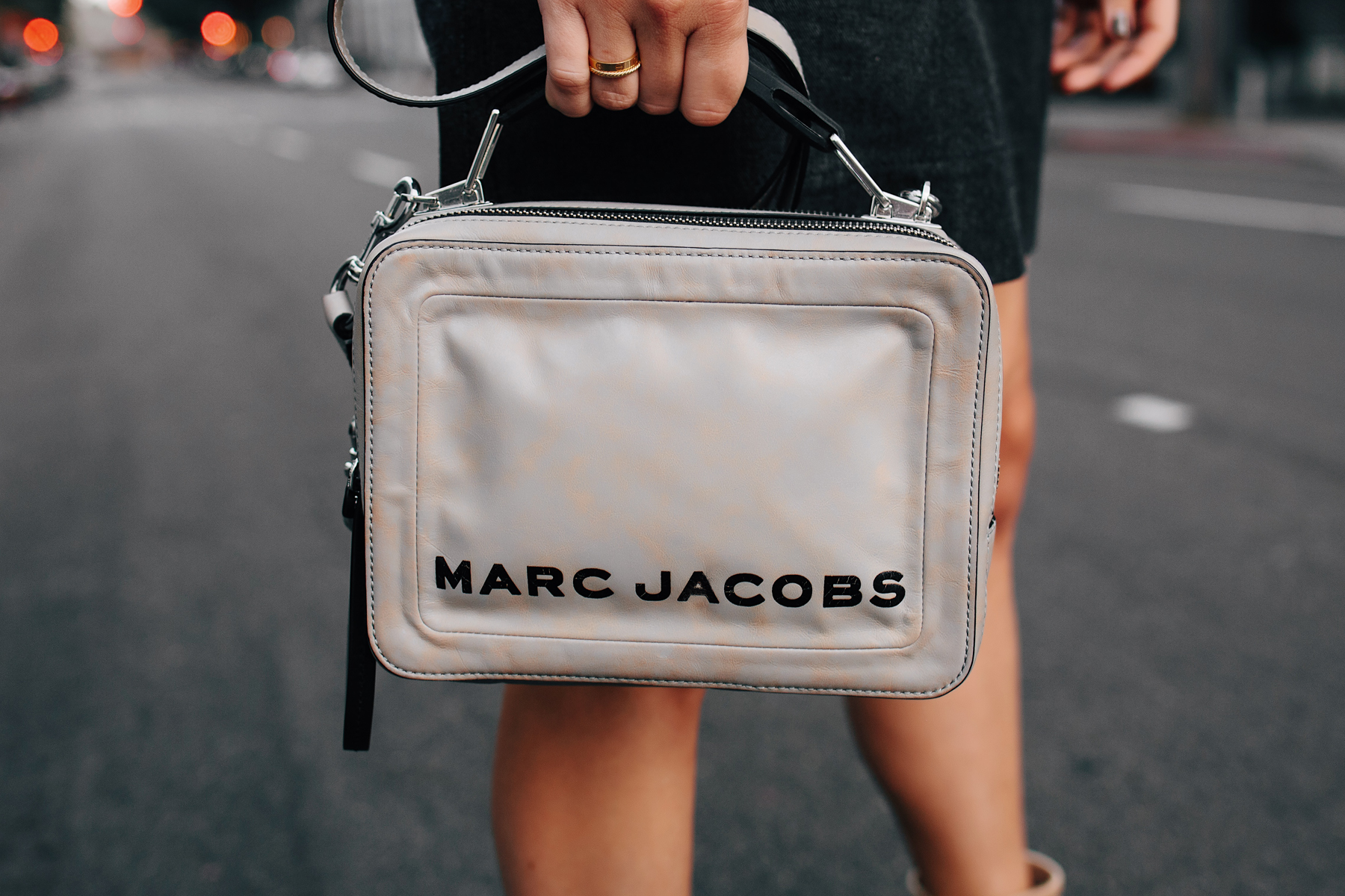 Woman Wearing Marc Jacobs The Box Bag Griffin Fashion Jackson San Diego Fashion Blogger Street Style