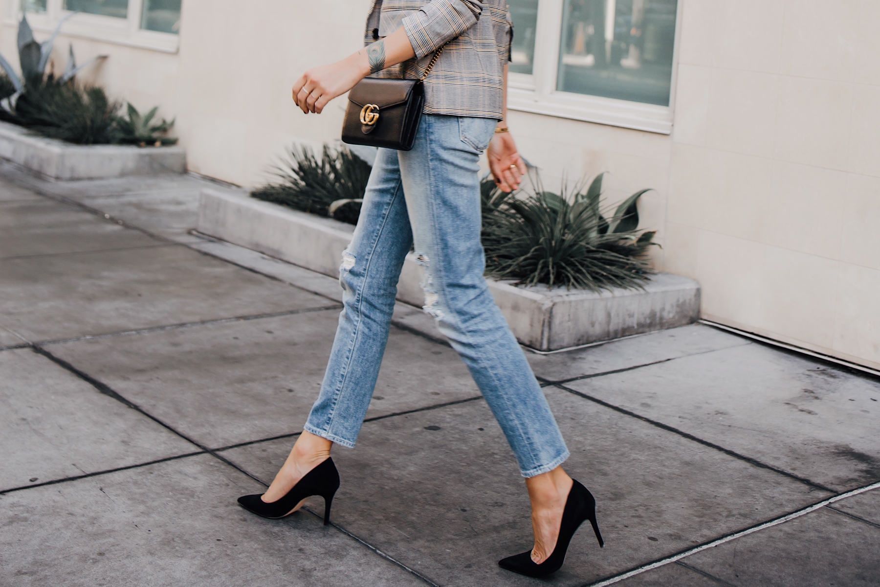 Woman Wearing Ripped Denim Jeans Outfit Black Pumps Gucci Black Handbag Plaid Blazer Fashion Jackson San Diego Fashion Blogger Street Style